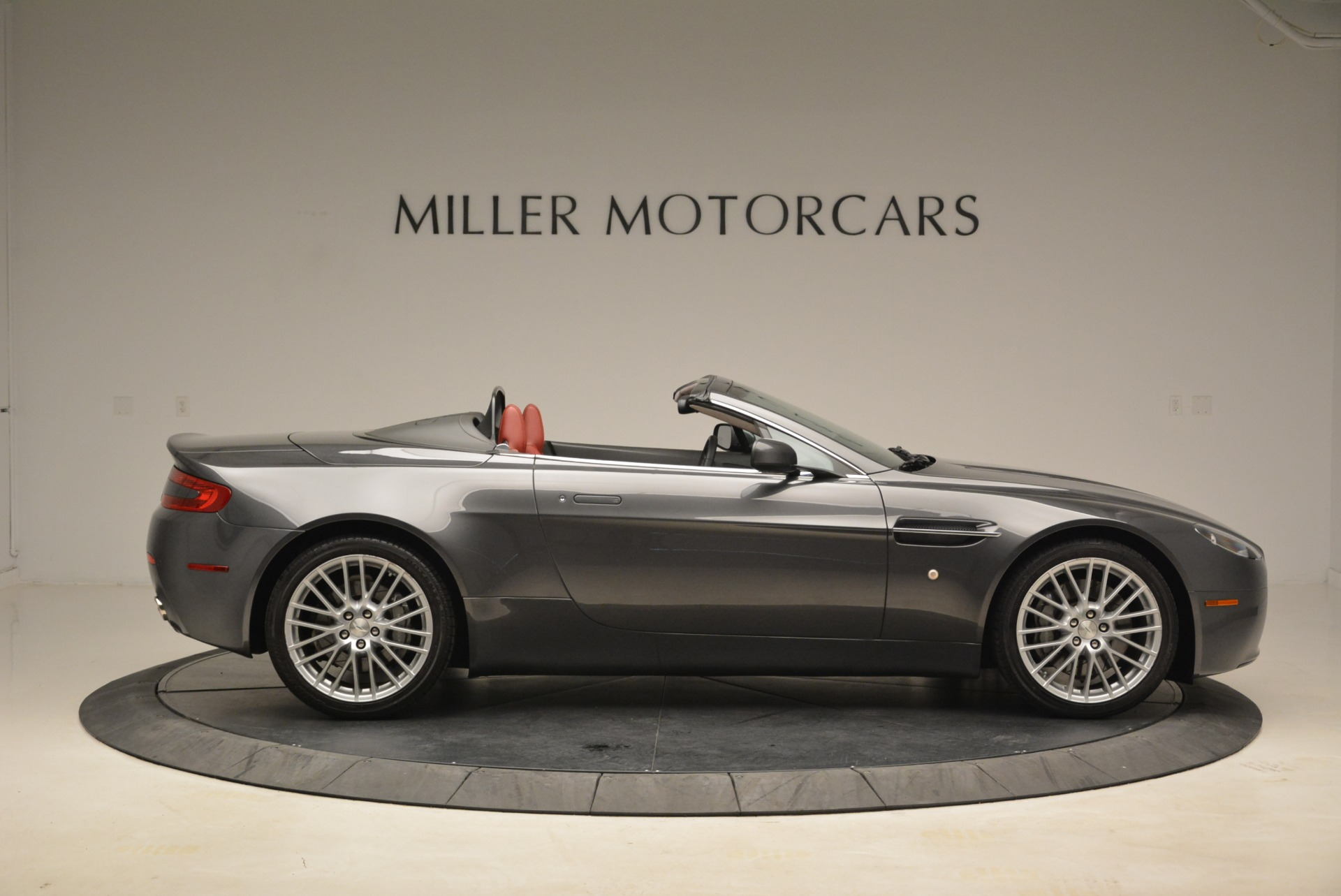 Used 2009 Aston Martin V8 Vantage Roadster For Sale In Westport, CT 2123_p9