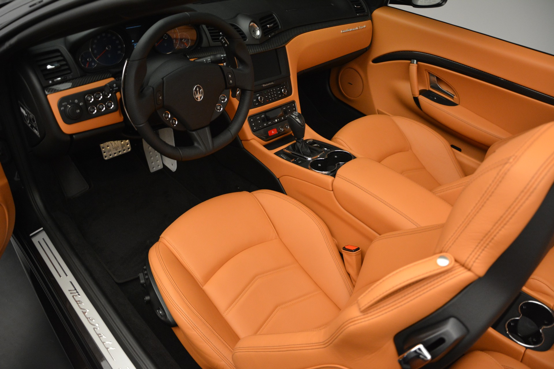Used 2015 Maserati GranTurismo Sport Convertible For Sale In Westport, CT 2129_p19