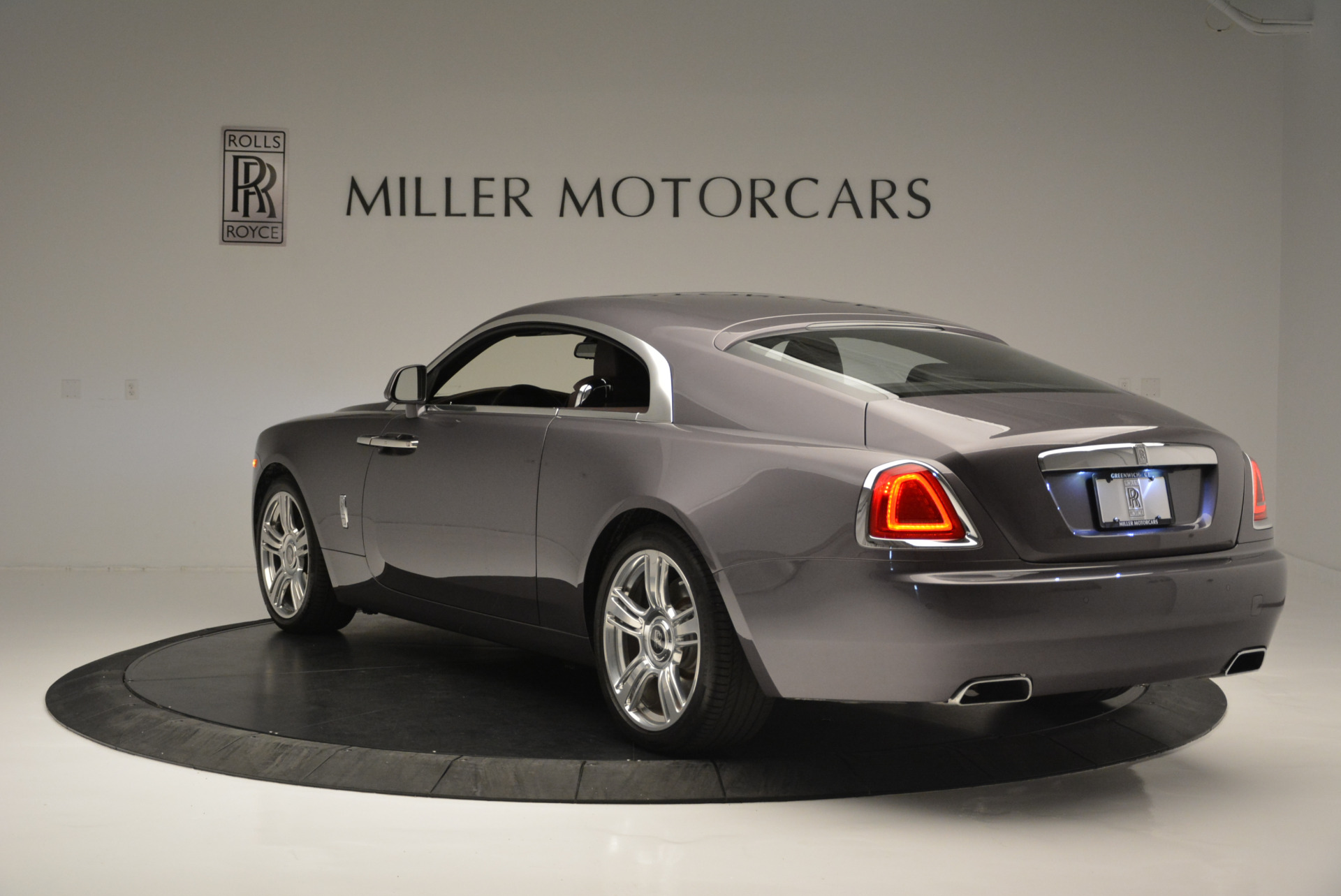 Used 2016 Rolls-Royce Wraith  For Sale In Westport, CT 214_p5