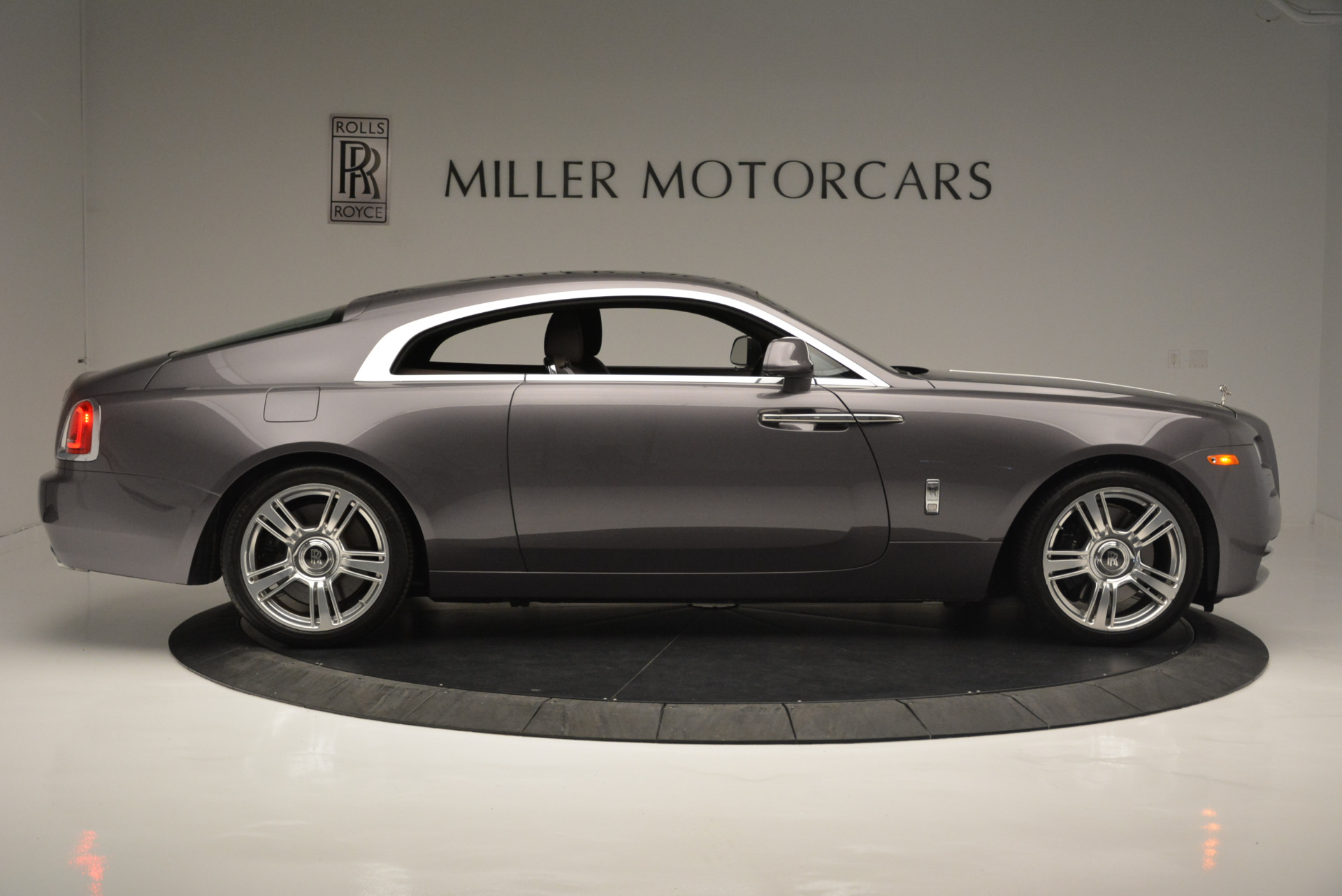 Used 2016 Rolls-Royce Wraith  For Sale In Westport, CT 214_p9