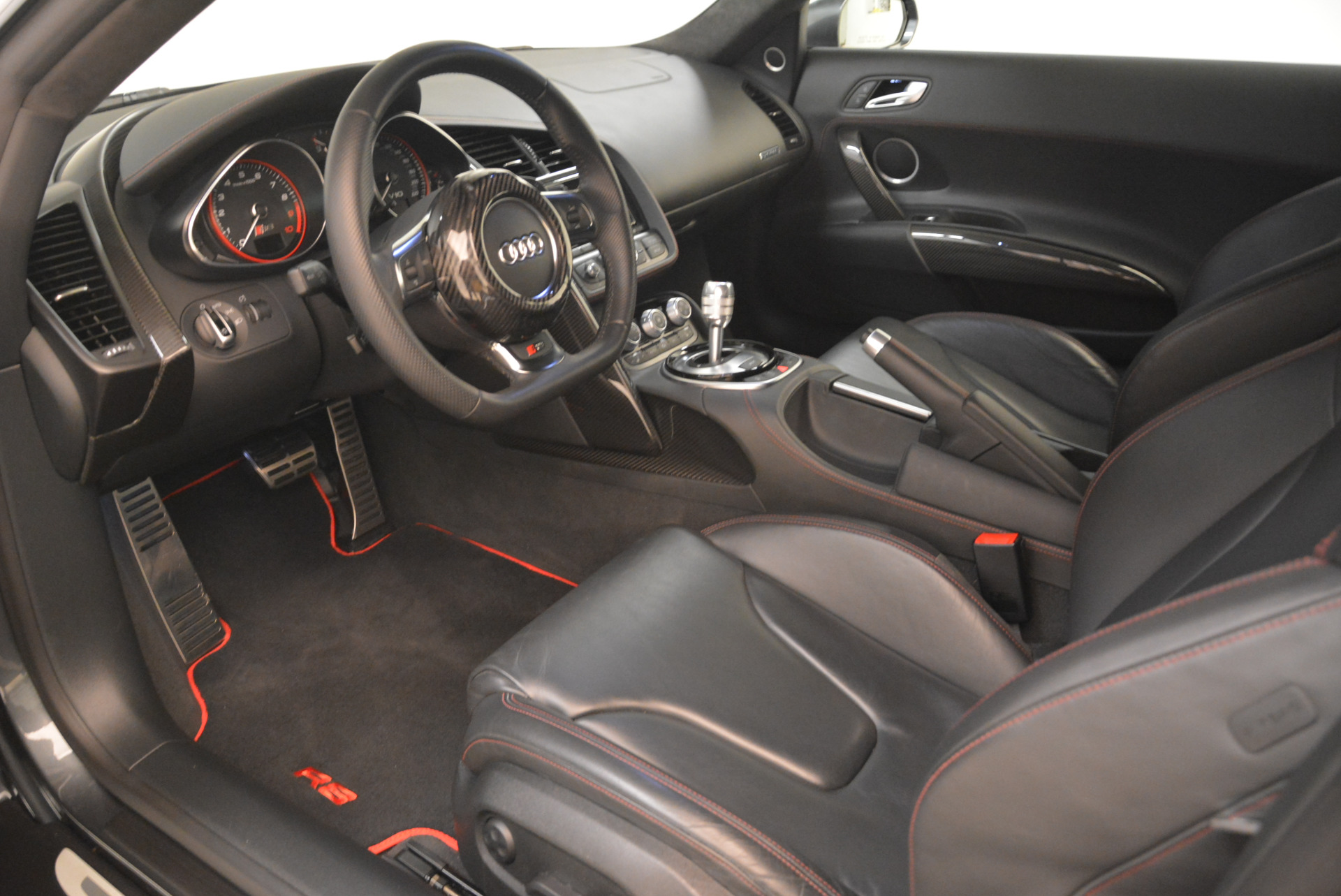Used 2014 Audi R8 5.2 quattro For Sale In Westport, CT 2147_p14