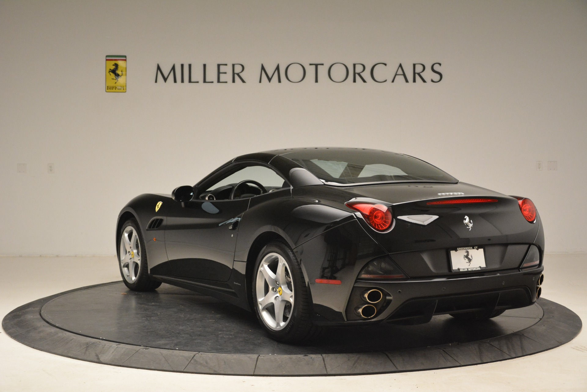 Used 2009 Ferrari California  For Sale In Westport, CT 2149_p17