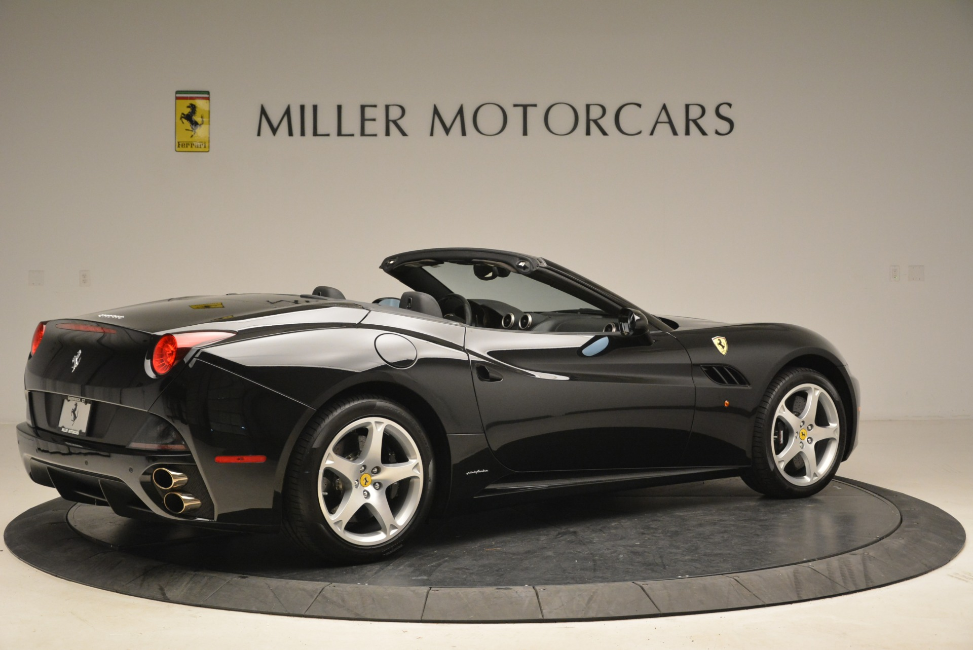 Used 2009 Ferrari California  For Sale In Westport, CT 2149_p8