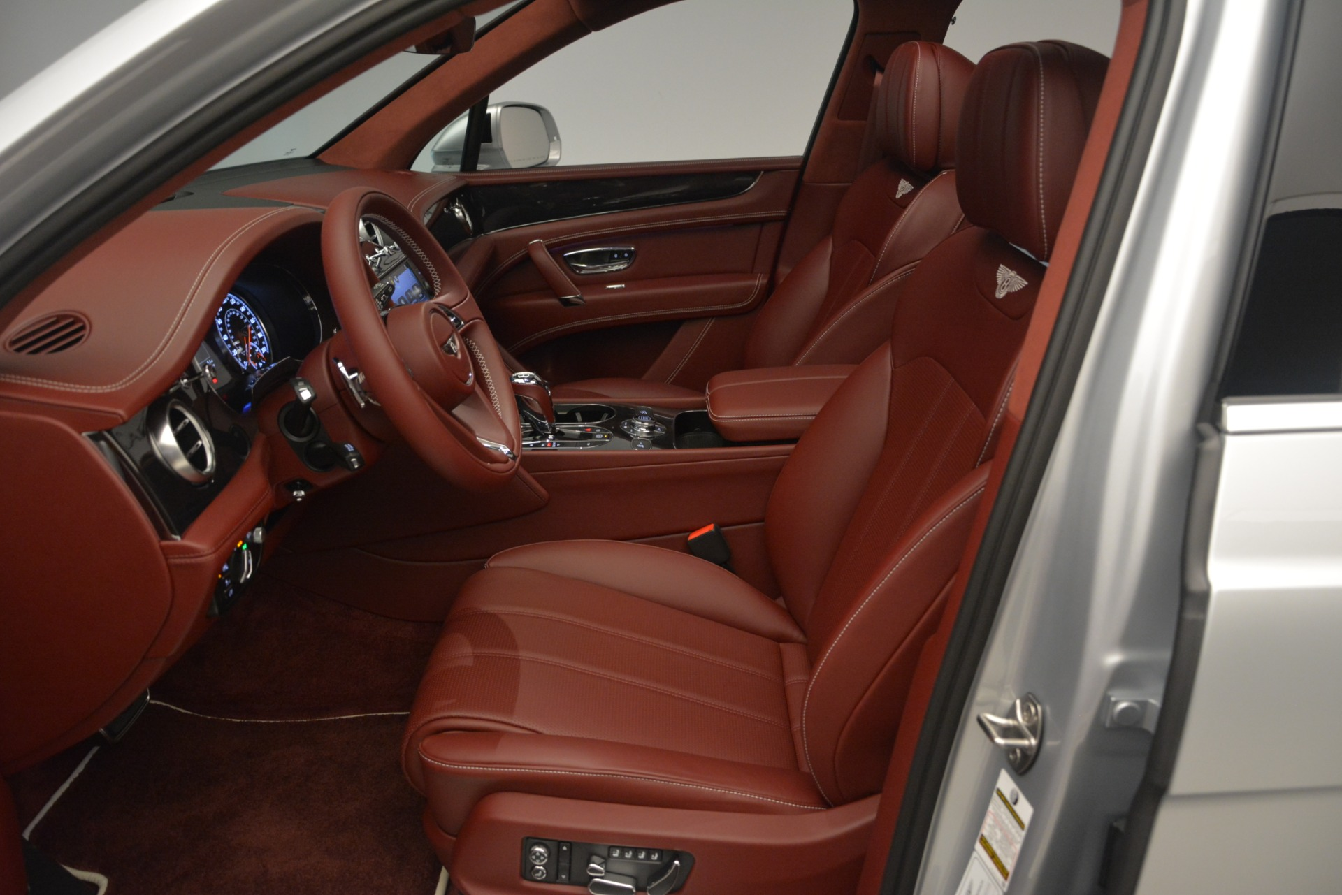 New 2019 Bentley Bentayga V8 For Sale In Westport, CT 2161_p18