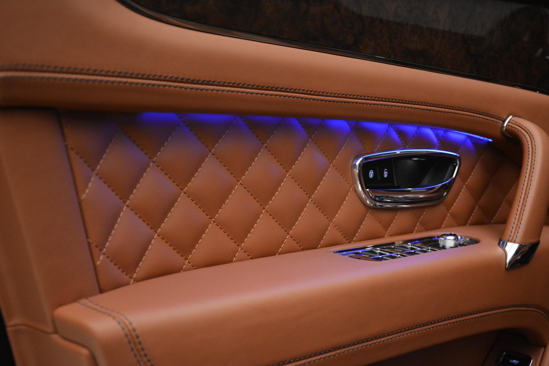 Used 2018 Bentley Bentayga W12 Signature For Sale In Westport, CT 2165_p16
