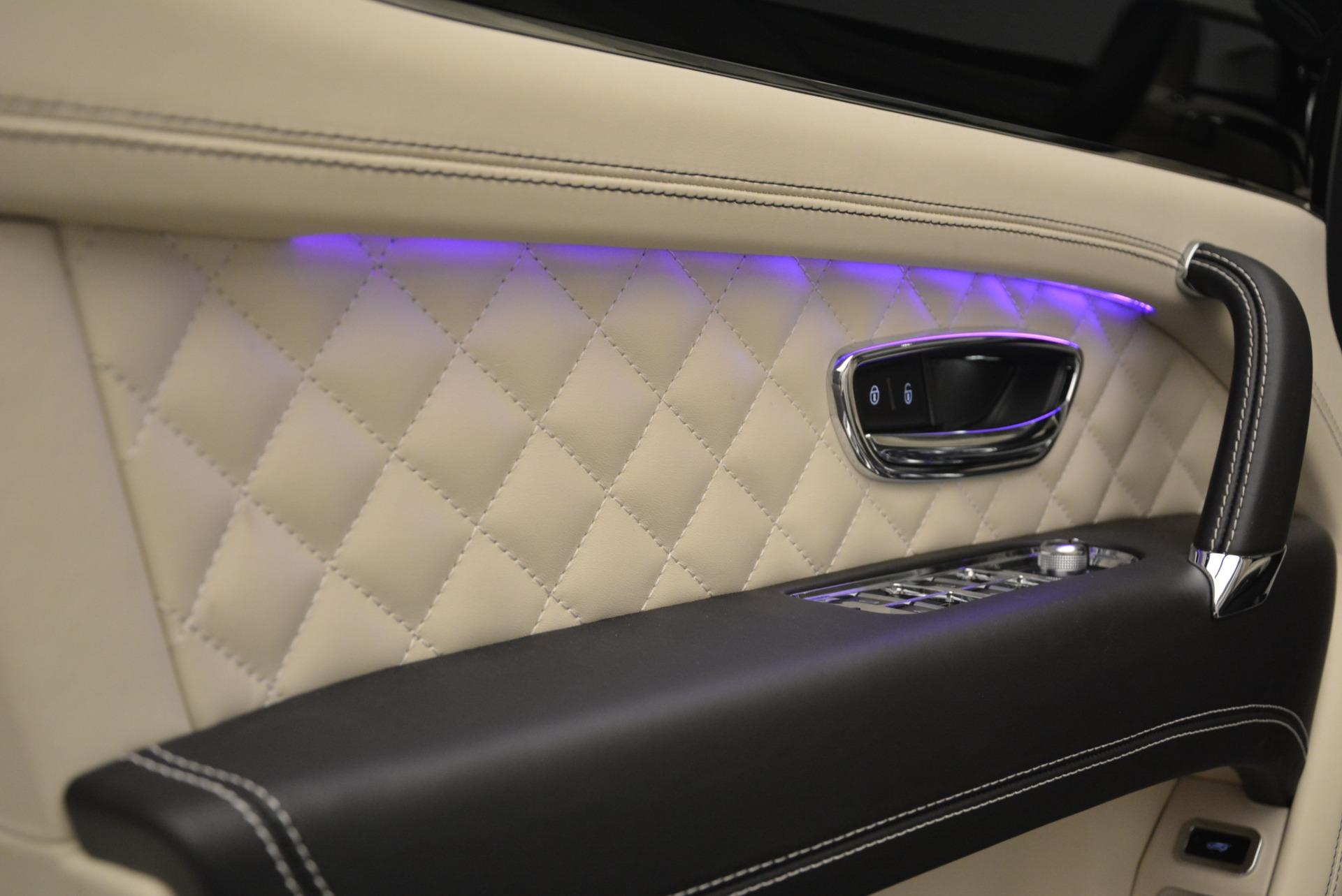 Used 2018 Bentley Bentayga Signature For Sale In Westport, CT 2168_p18