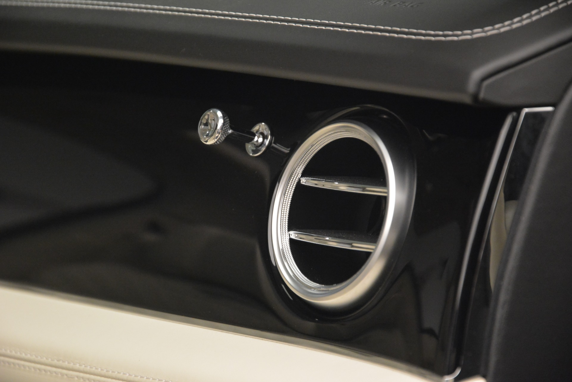 Used 2018 Bentley Bentayga Signature For Sale In Westport, CT 2168_p30