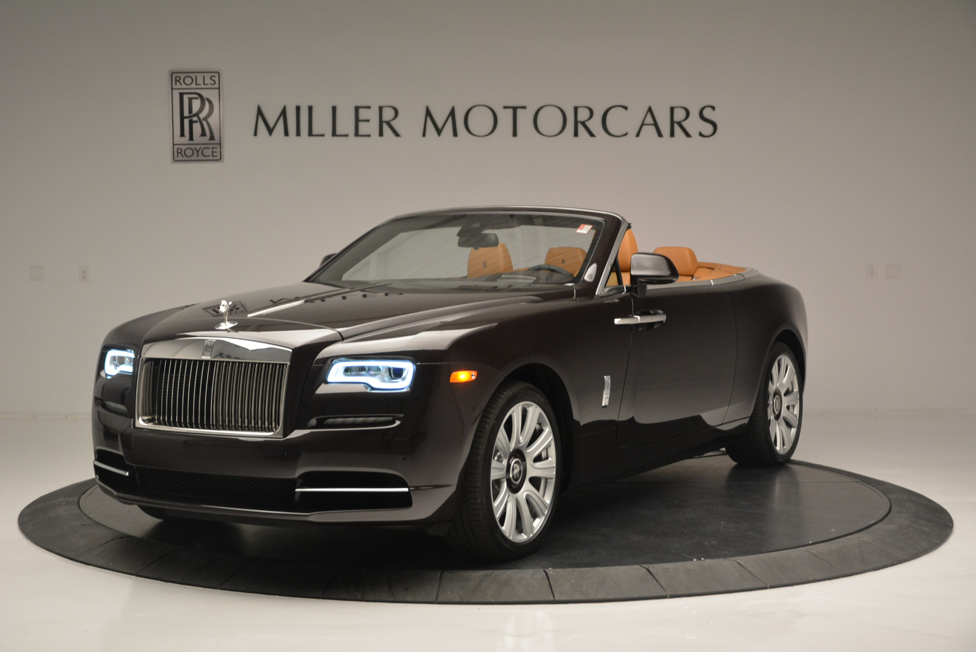 Used 2018 Rolls-Royce Dawn  For Sale In Westport, CT 2178_main