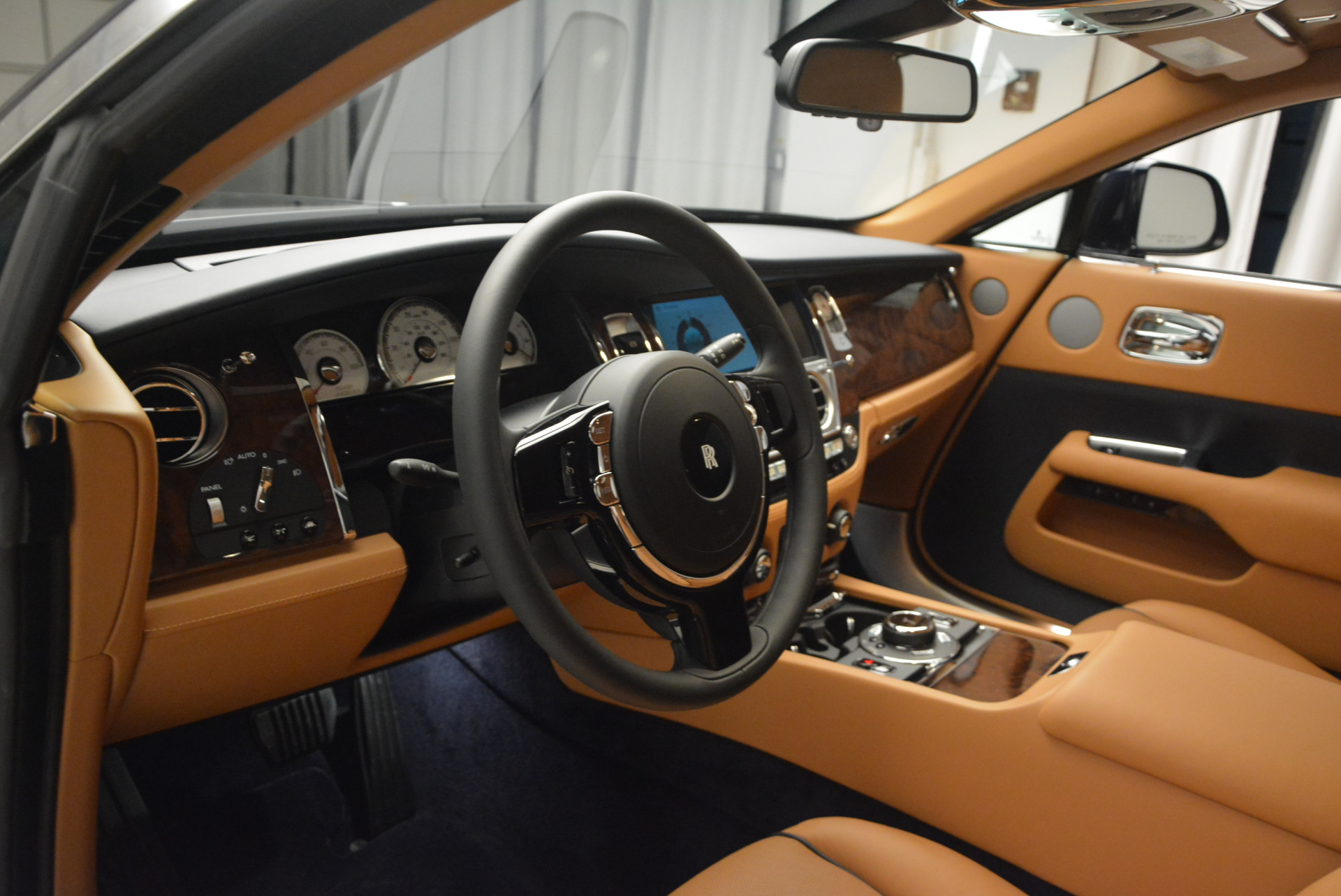 Used 2016 Rolls-Royce Wraith  For Sale In Westport, CT 219_p17
