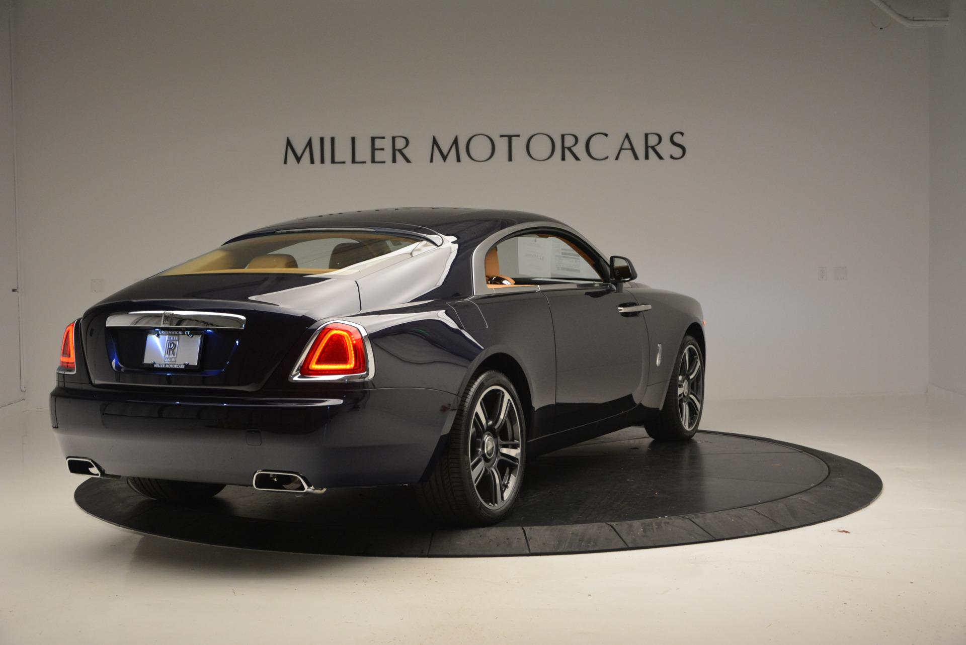 Used 2016 Rolls-Royce Wraith  For Sale In Westport, CT 219_p5