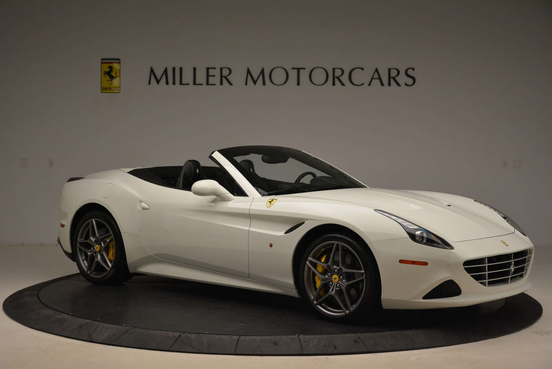 Used 2015 Ferrari California T  For Sale In Westport, CT 2199_p10