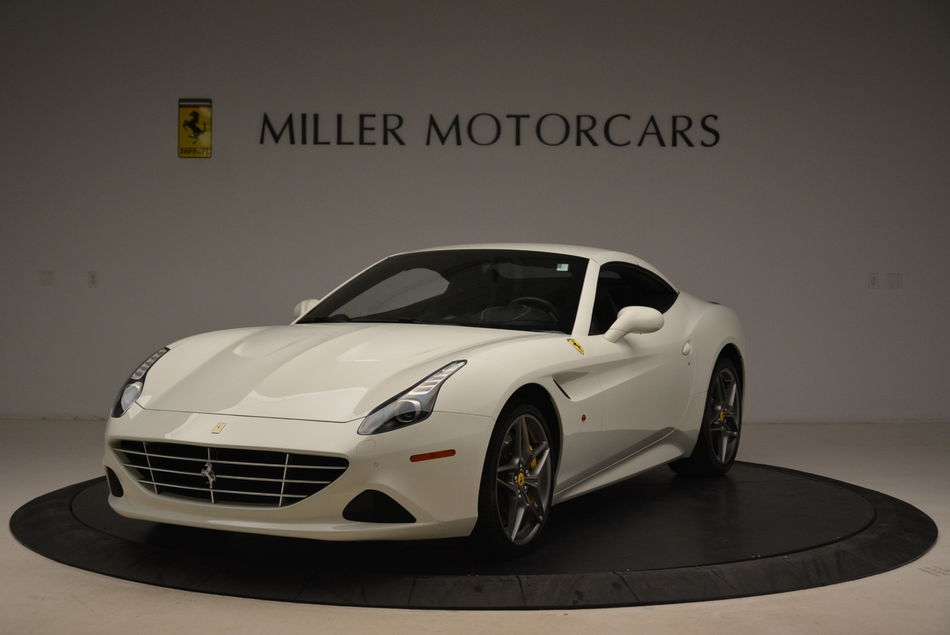 Used 2015 Ferrari California T  For Sale In Westport, CT 2199_p13