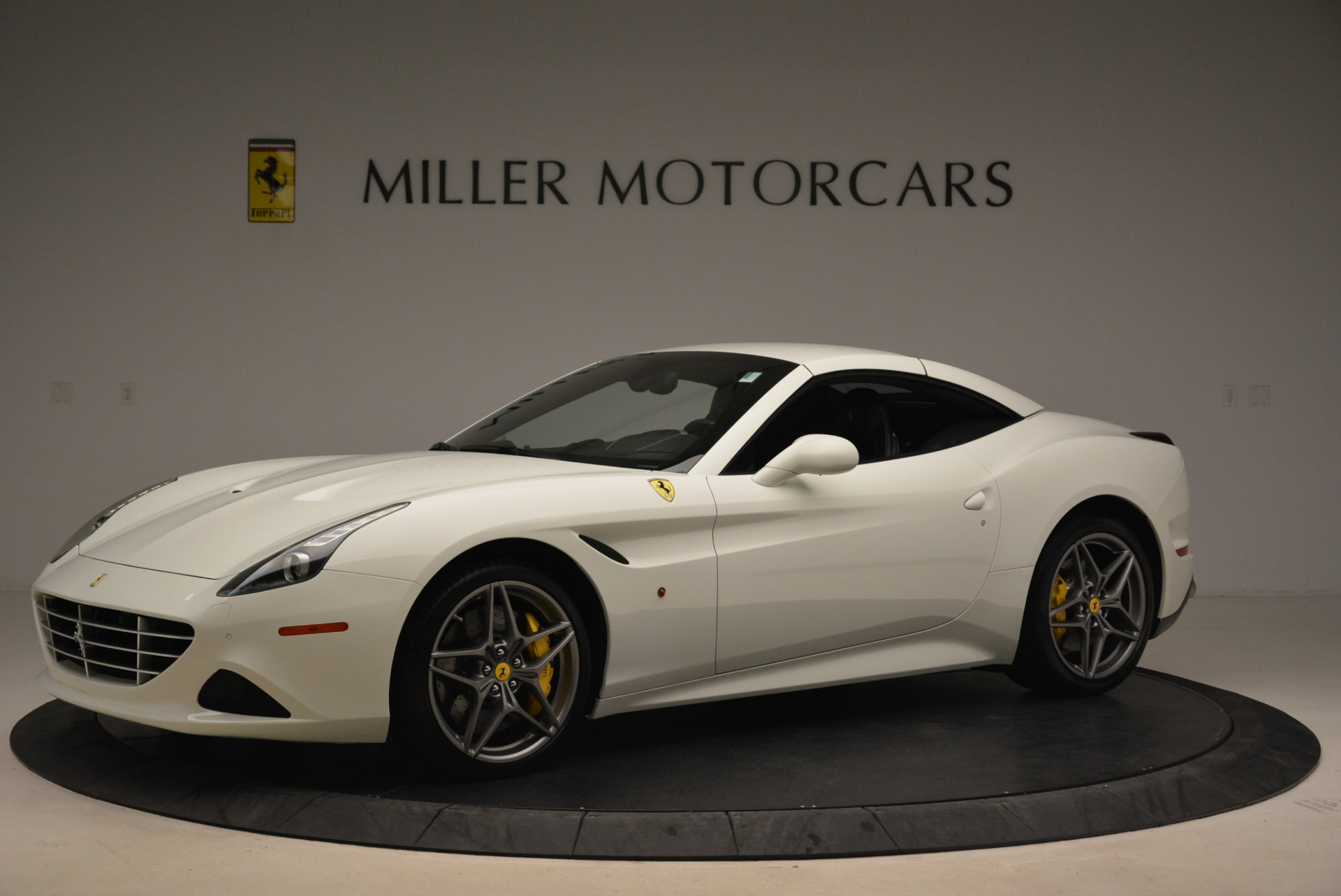 Used 2015 Ferrari California T  For Sale In Westport, CT 2199_p14