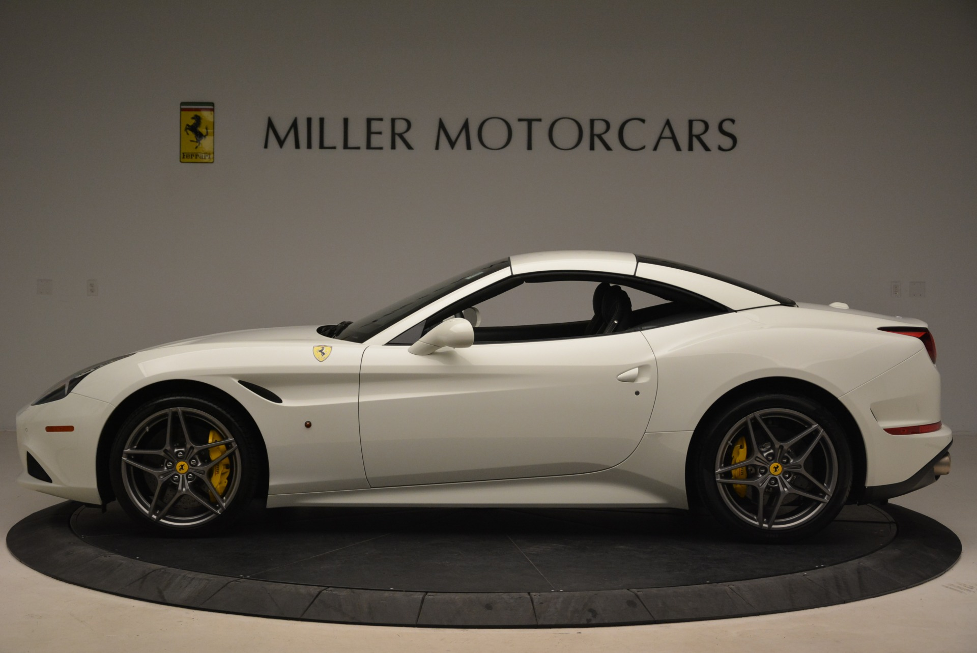 Used 2015 Ferrari California T  For Sale In Westport, CT 2199_p15