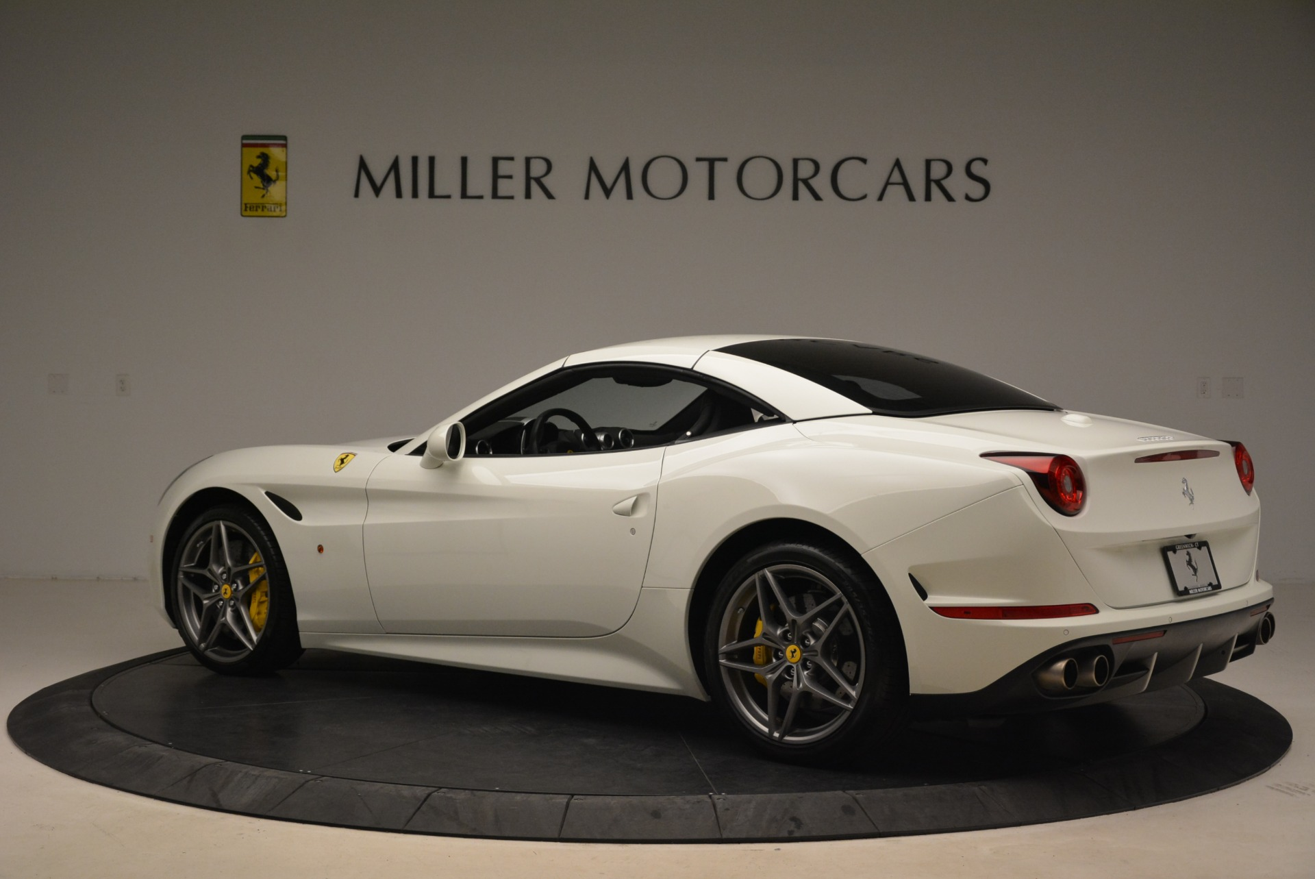 Used 2015 Ferrari California T  For Sale In Westport, CT 2199_p16