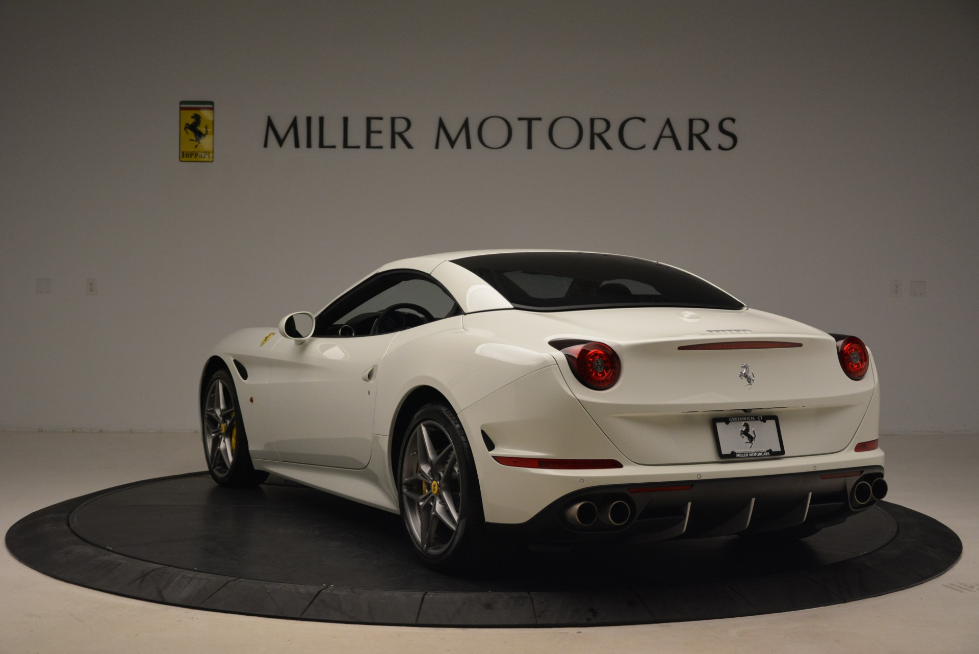 Used 2015 Ferrari California T  For Sale In Westport, CT 2199_p17