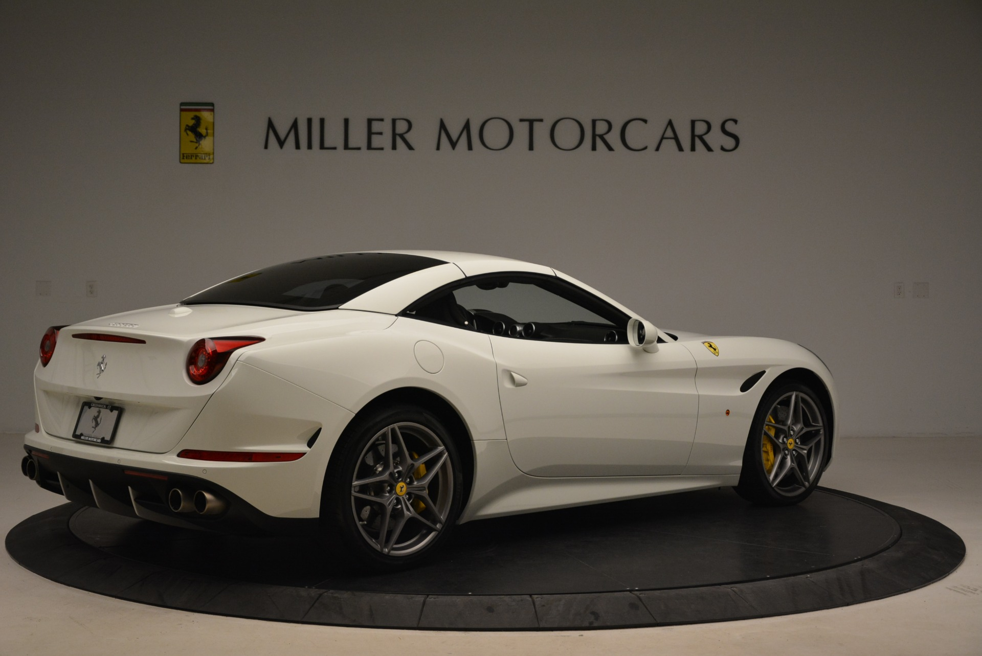 Used 2015 Ferrari California T  For Sale In Westport, CT 2199_p20