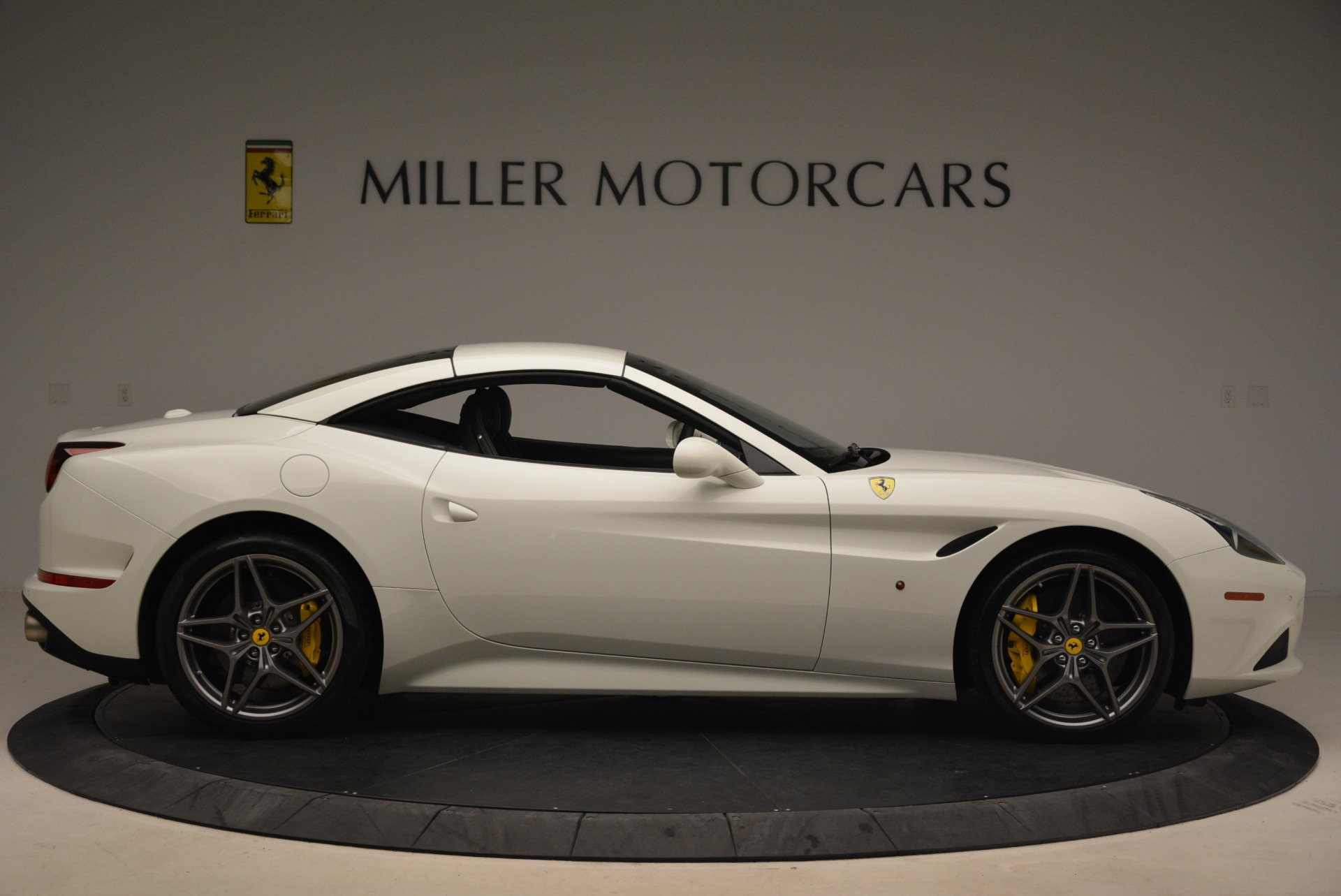Used 2015 Ferrari California T  For Sale In Westport, CT 2199_p21