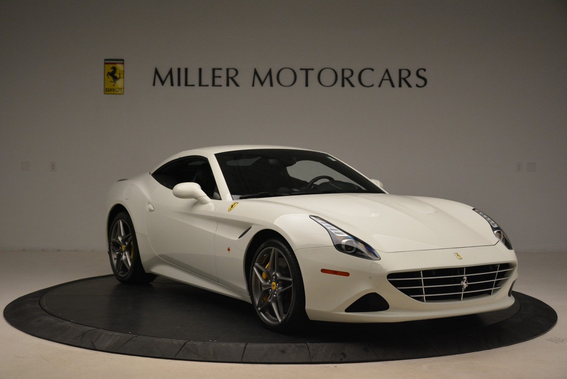 Used 2015 Ferrari California T  For Sale In Westport, CT 2199_p23
