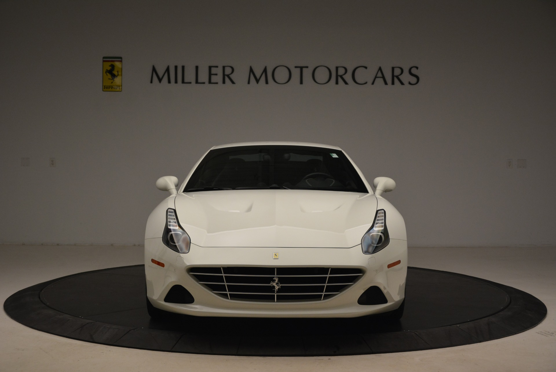 Used 2015 Ferrari California T  For Sale In Westport, CT 2199_p24