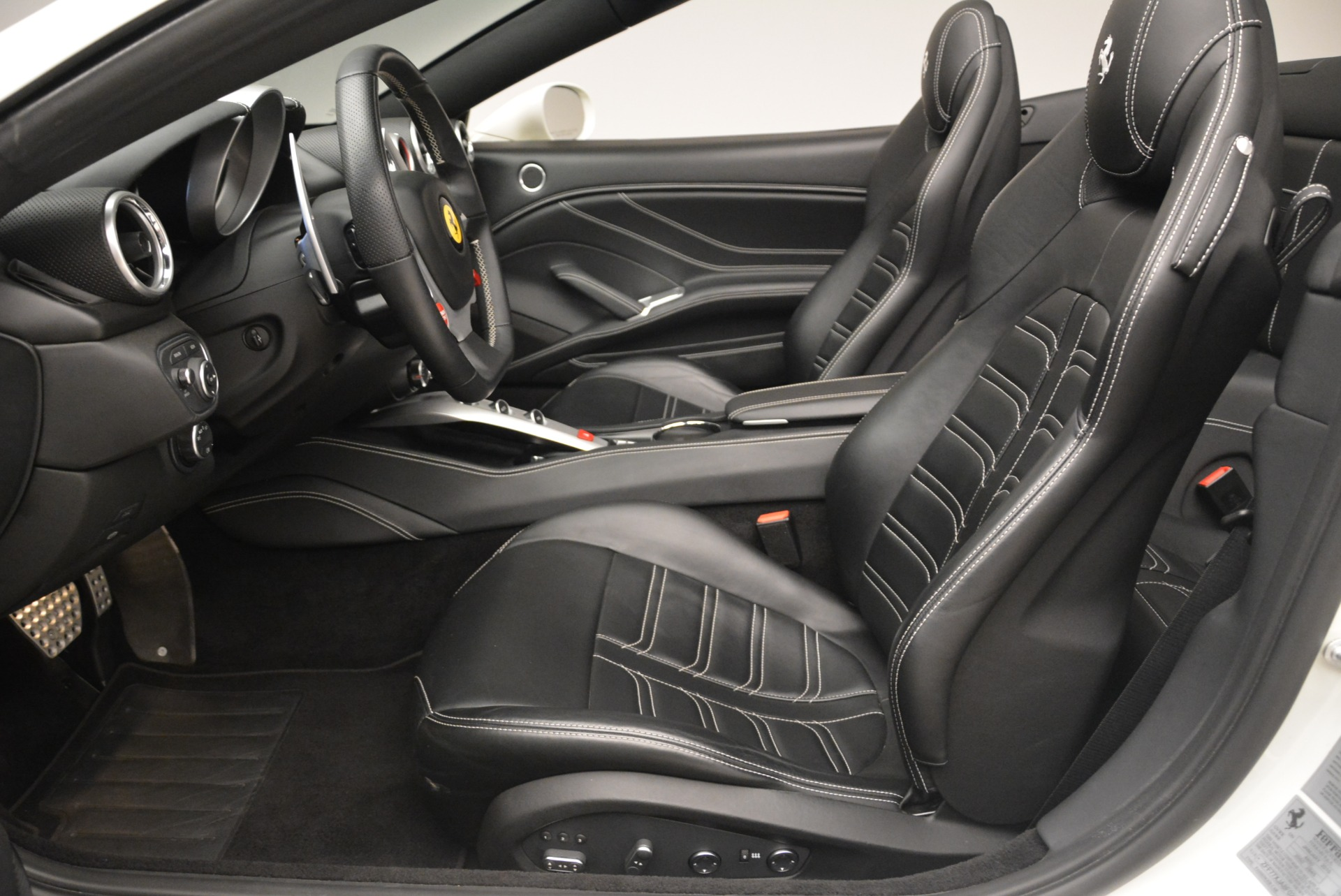 Used 2015 Ferrari California T  For Sale In Westport, CT 2199_p26
