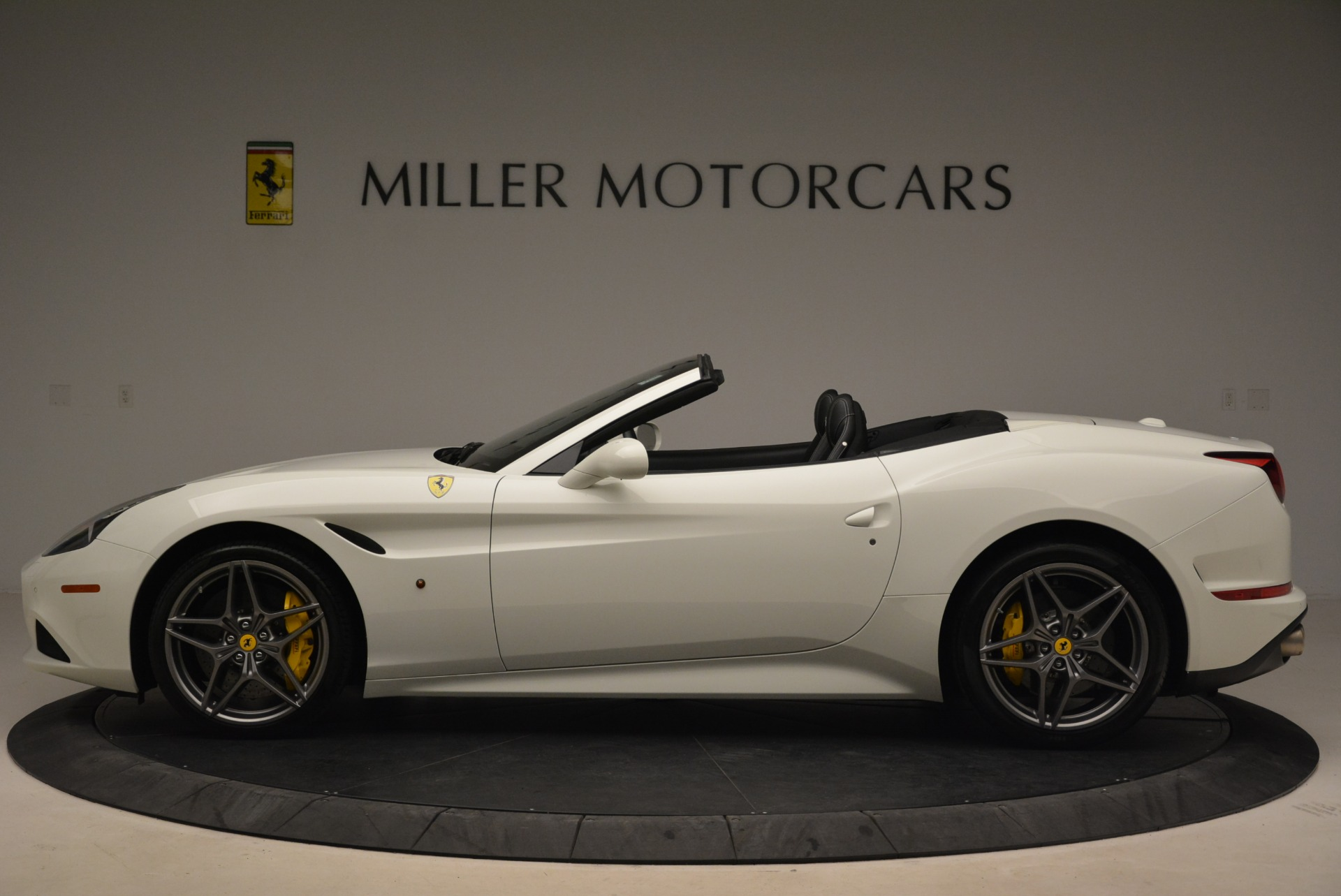 Used 2015 Ferrari California T  For Sale In Westport, CT 2199_p3