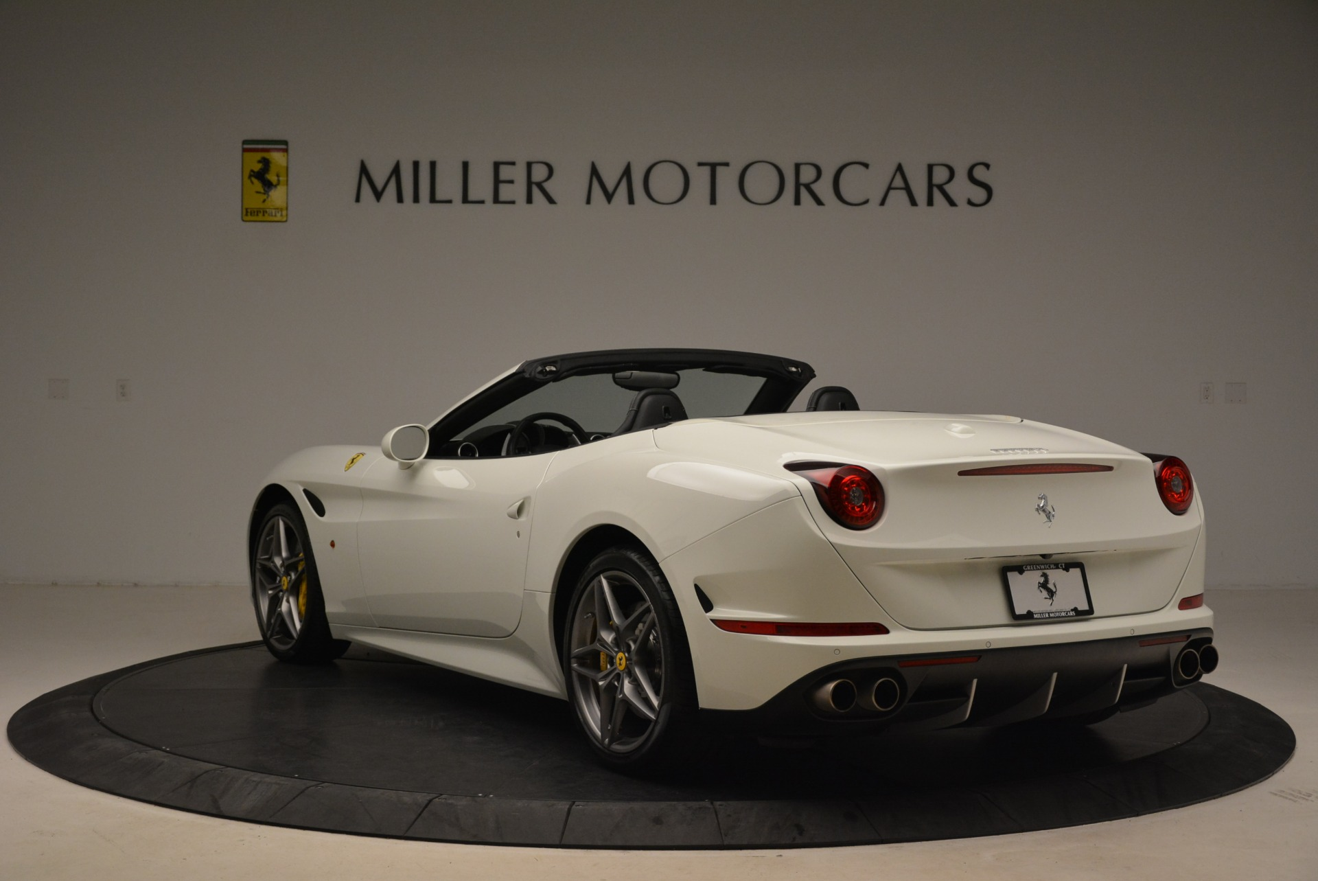 Used 2015 Ferrari California T  For Sale In Westport, CT 2199_p5