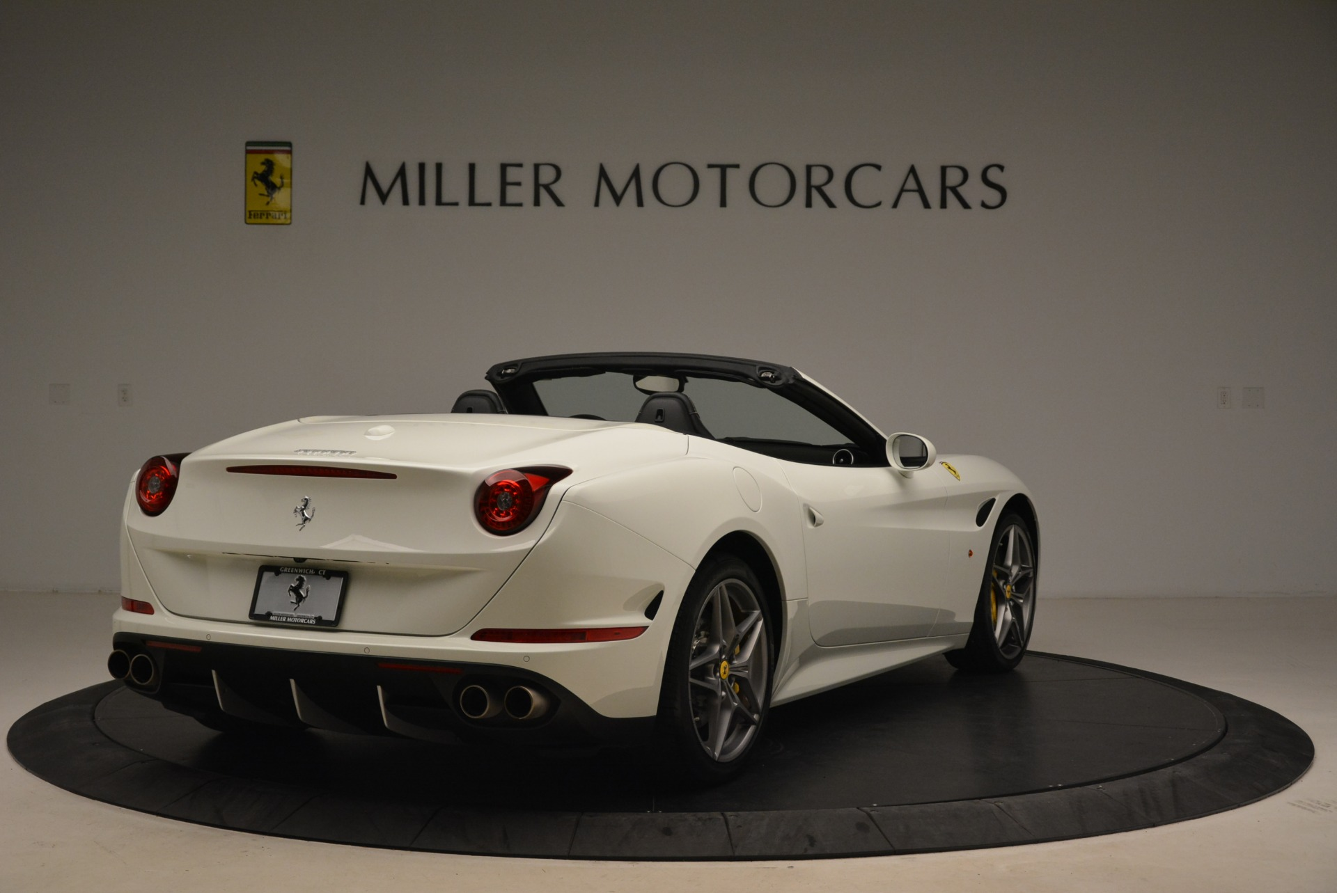 Used 2015 Ferrari California T  For Sale In Westport, CT 2199_p7