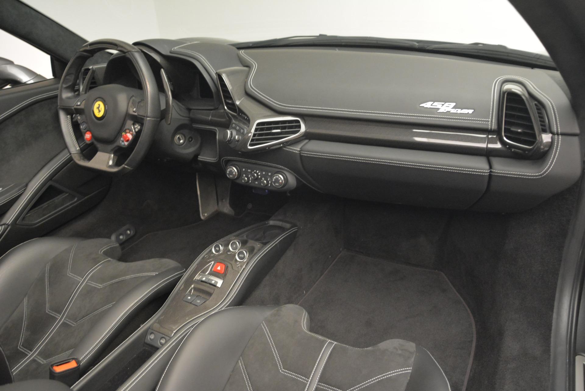 Used 2013 Ferrari 458 Spider  For Sale In Westport, CT 2202_p29