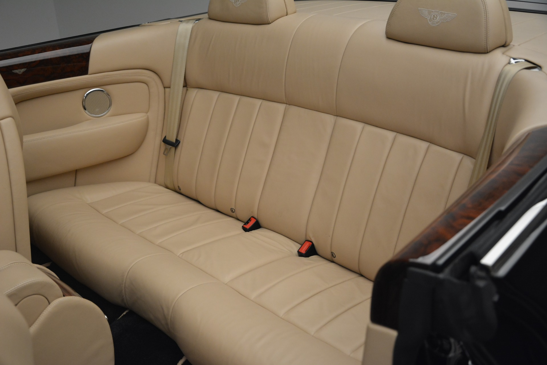 Used 2007 Bentley Azure  For Sale In Westport, CT 2203_p34