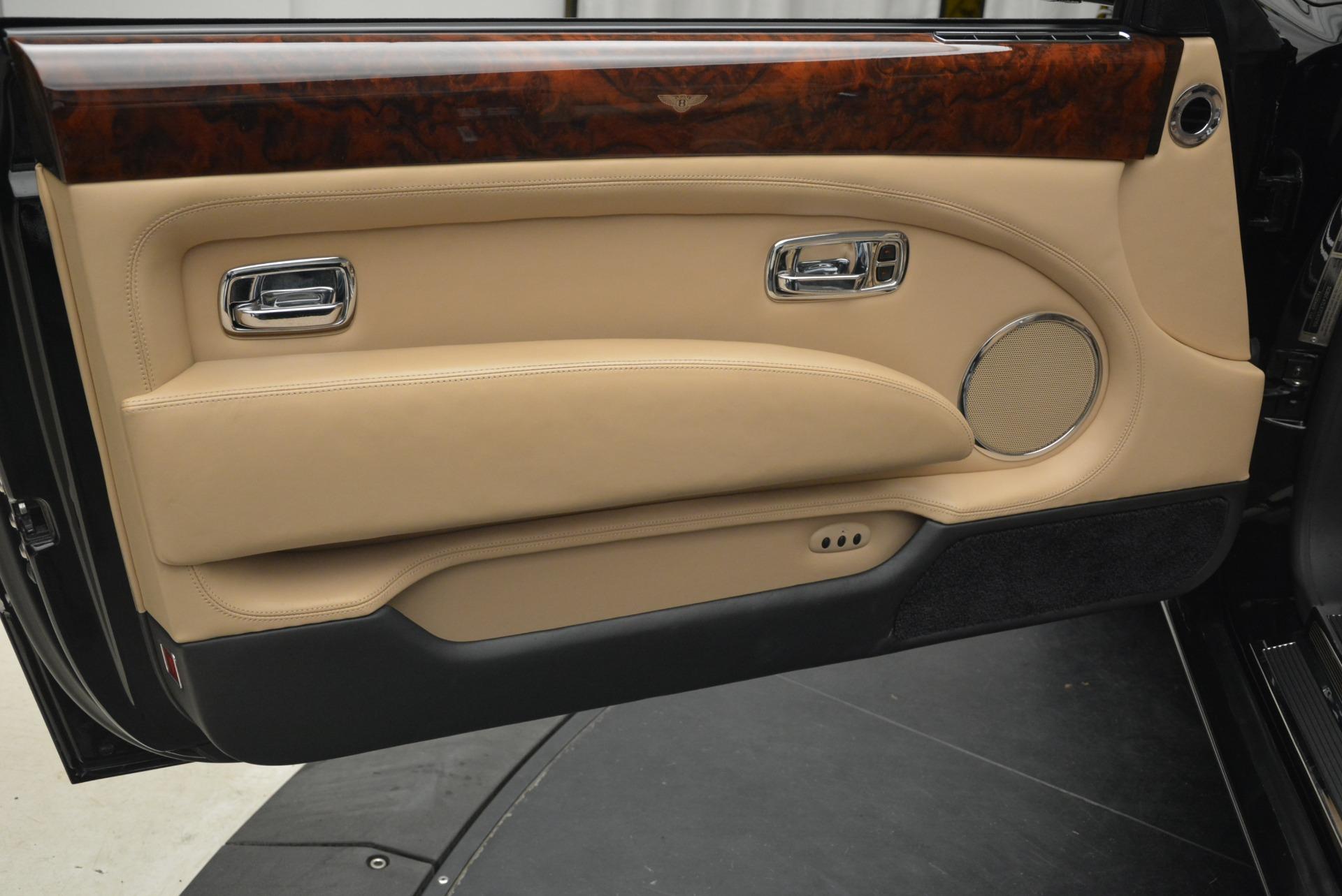 Used 2007 Bentley Azure  For Sale In Westport, CT 2203_p35