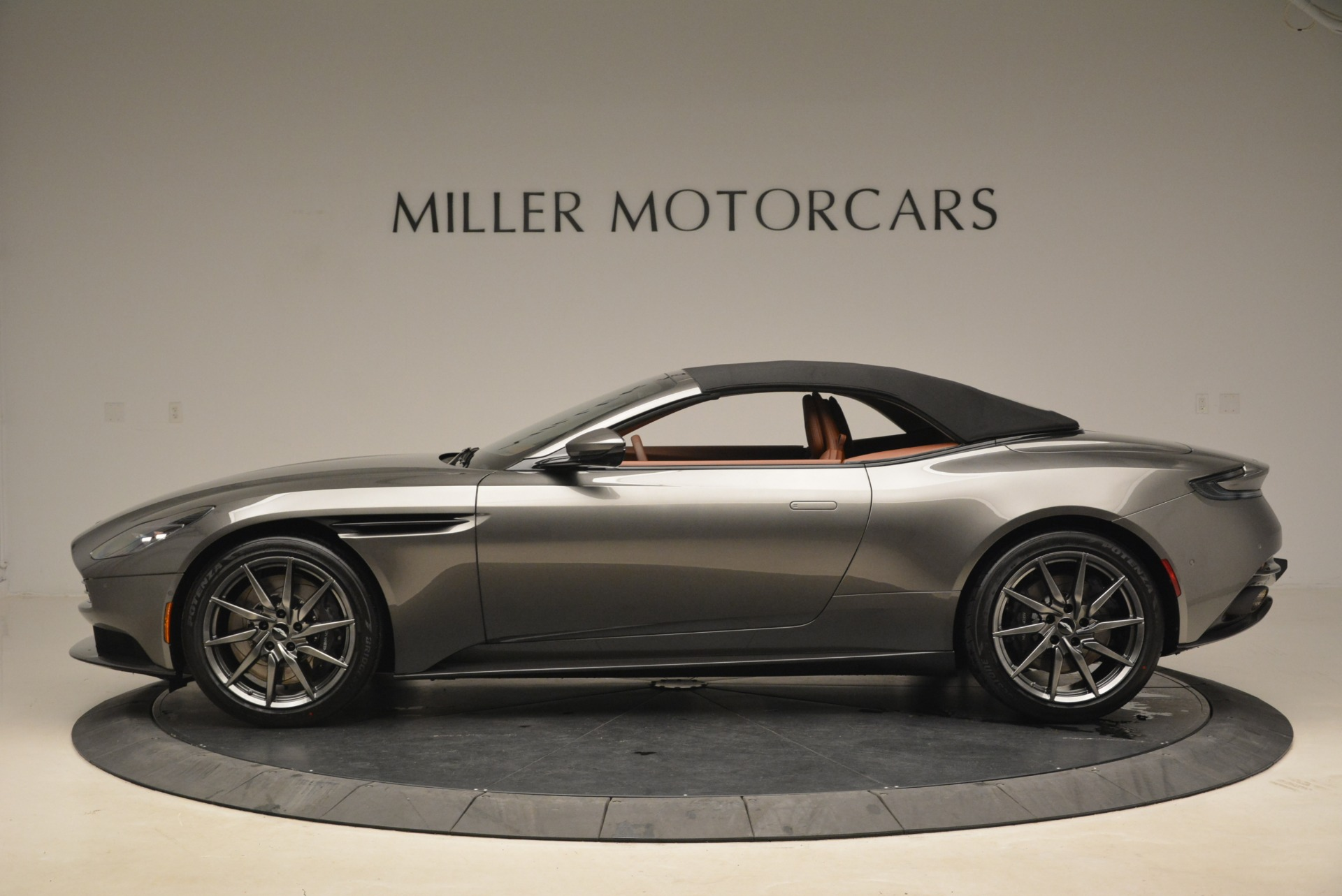 New 2019 Aston Martin DB11 Volante  For Sale In Westport, CT 2209_p15