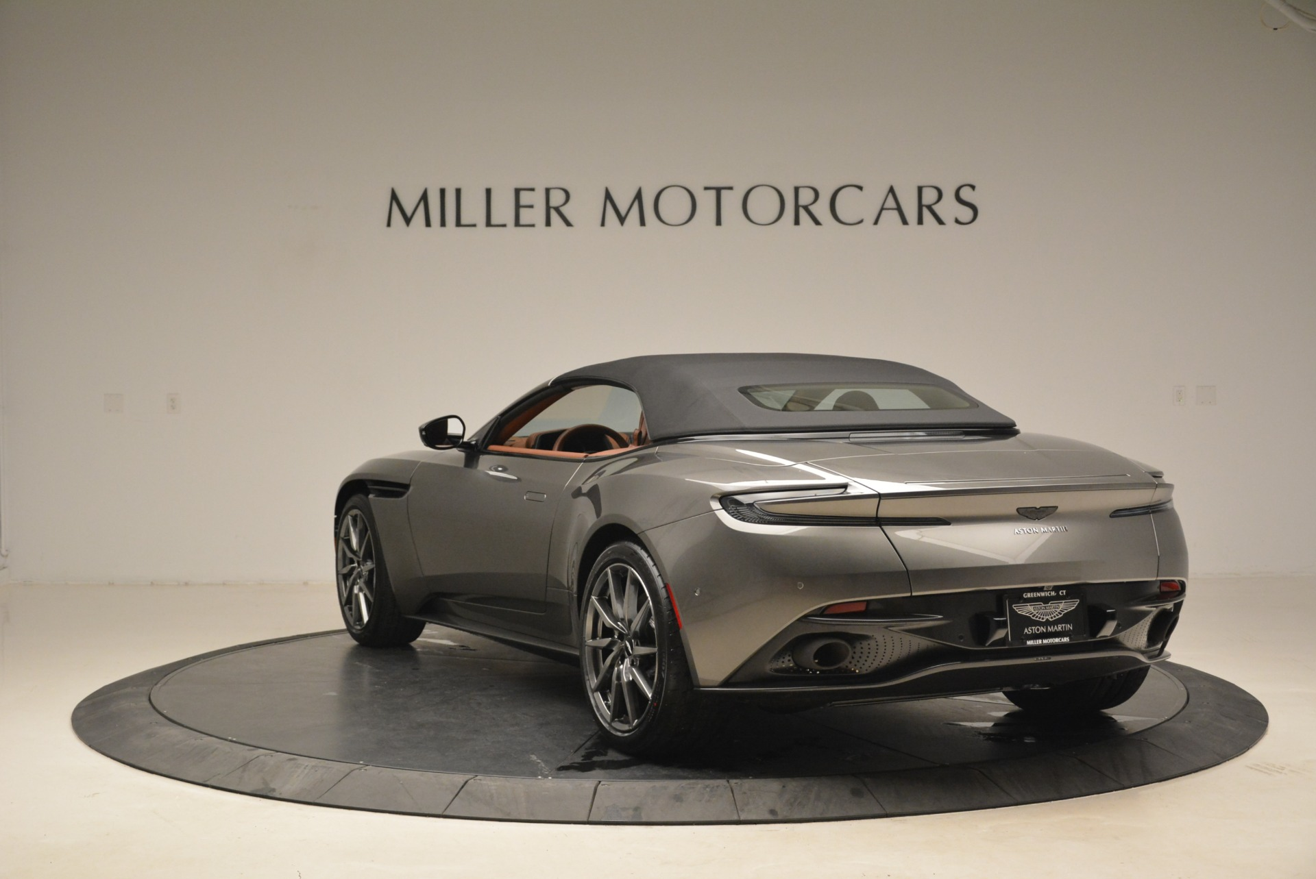 New 2019 Aston Martin DB11 Volante  For Sale In Westport, CT 2209_p17
