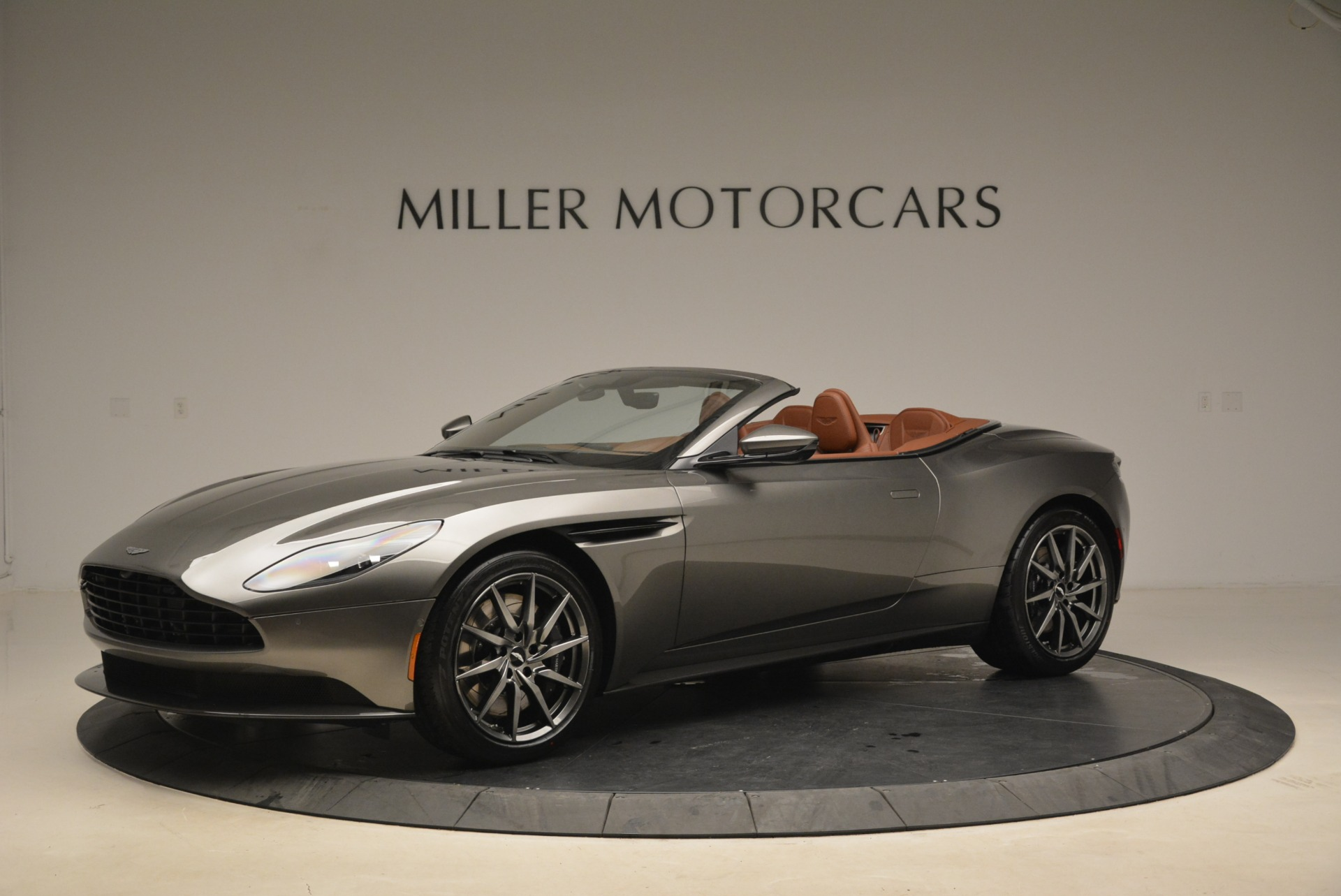 New 2019 Aston Martin DB11 Volante  For Sale In Westport, CT 2209_p2