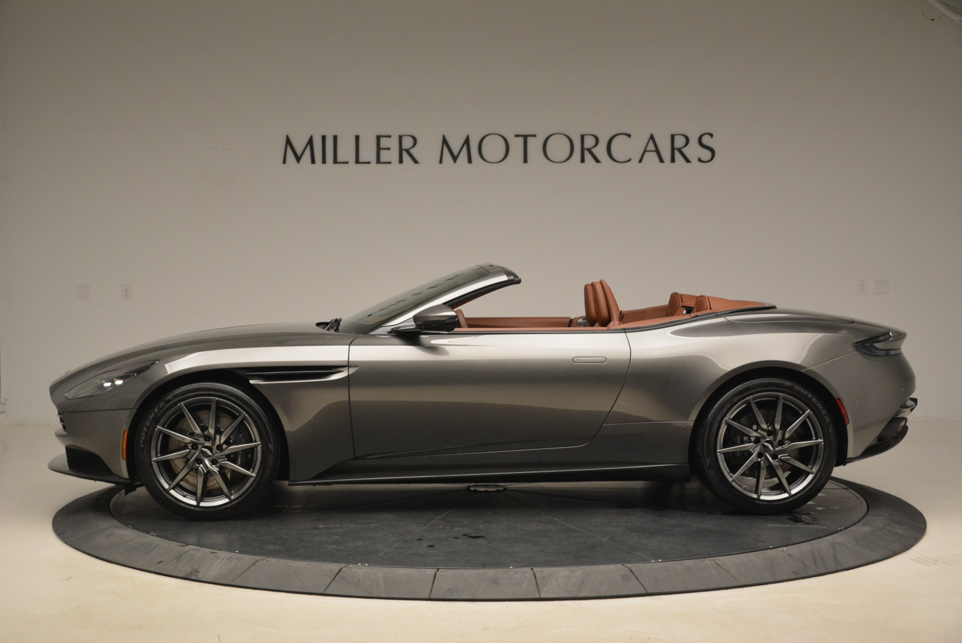 New 2019 Aston Martin DB11 Volante  For Sale In Westport, CT 2209_p3