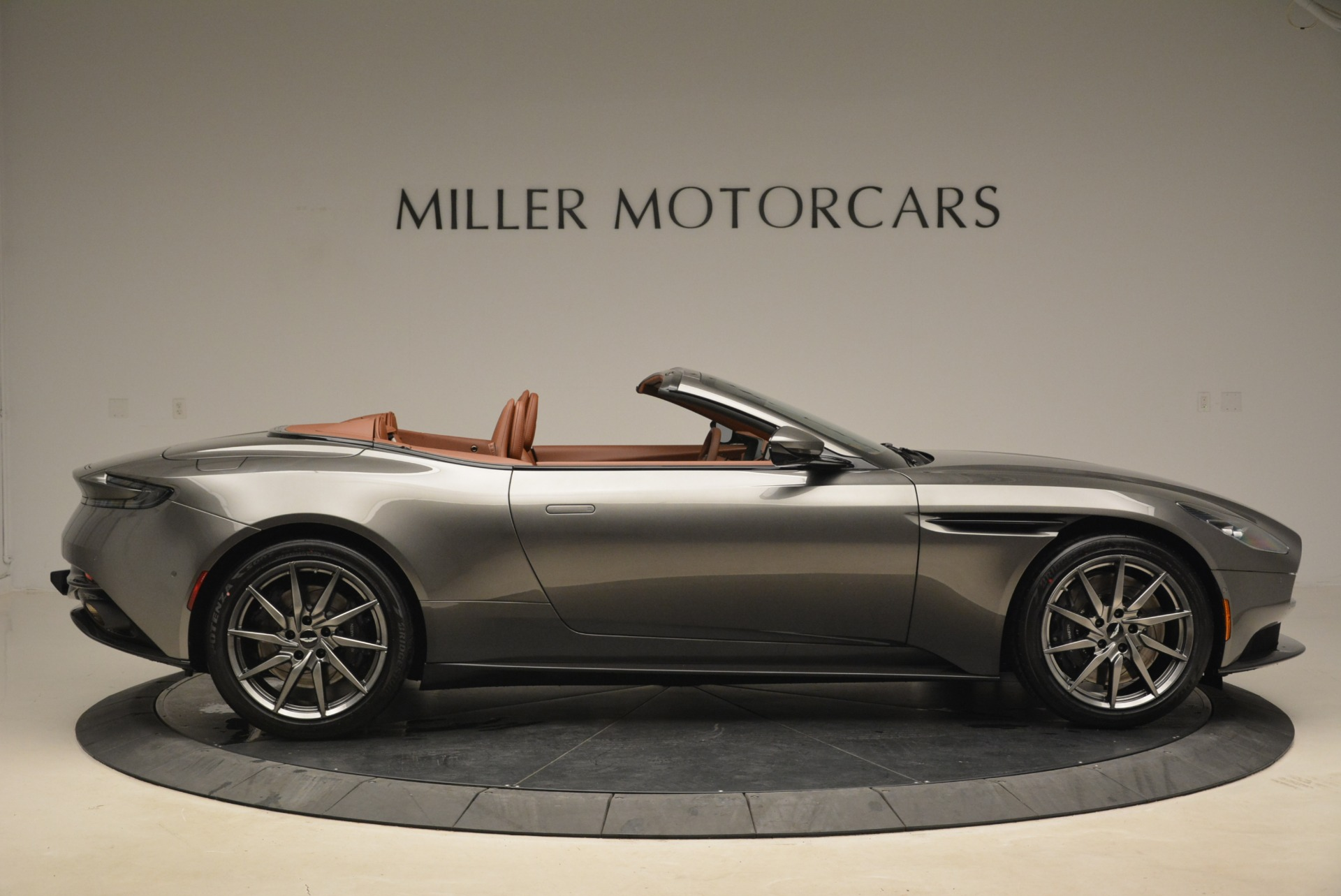 New 2019 Aston Martin DB11 Volante  For Sale In Westport, CT 2209_p9