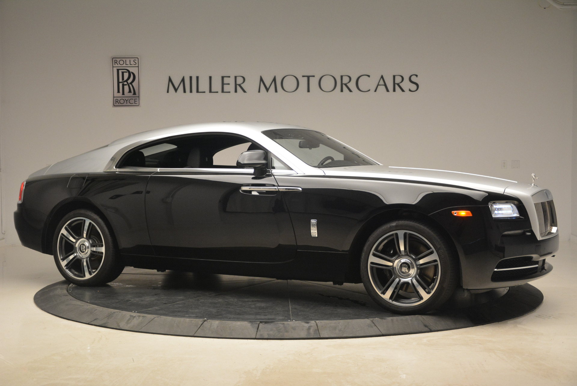 Used 2014 Rolls-Royce Wraith  For Sale In Westport, CT 2216_p10
