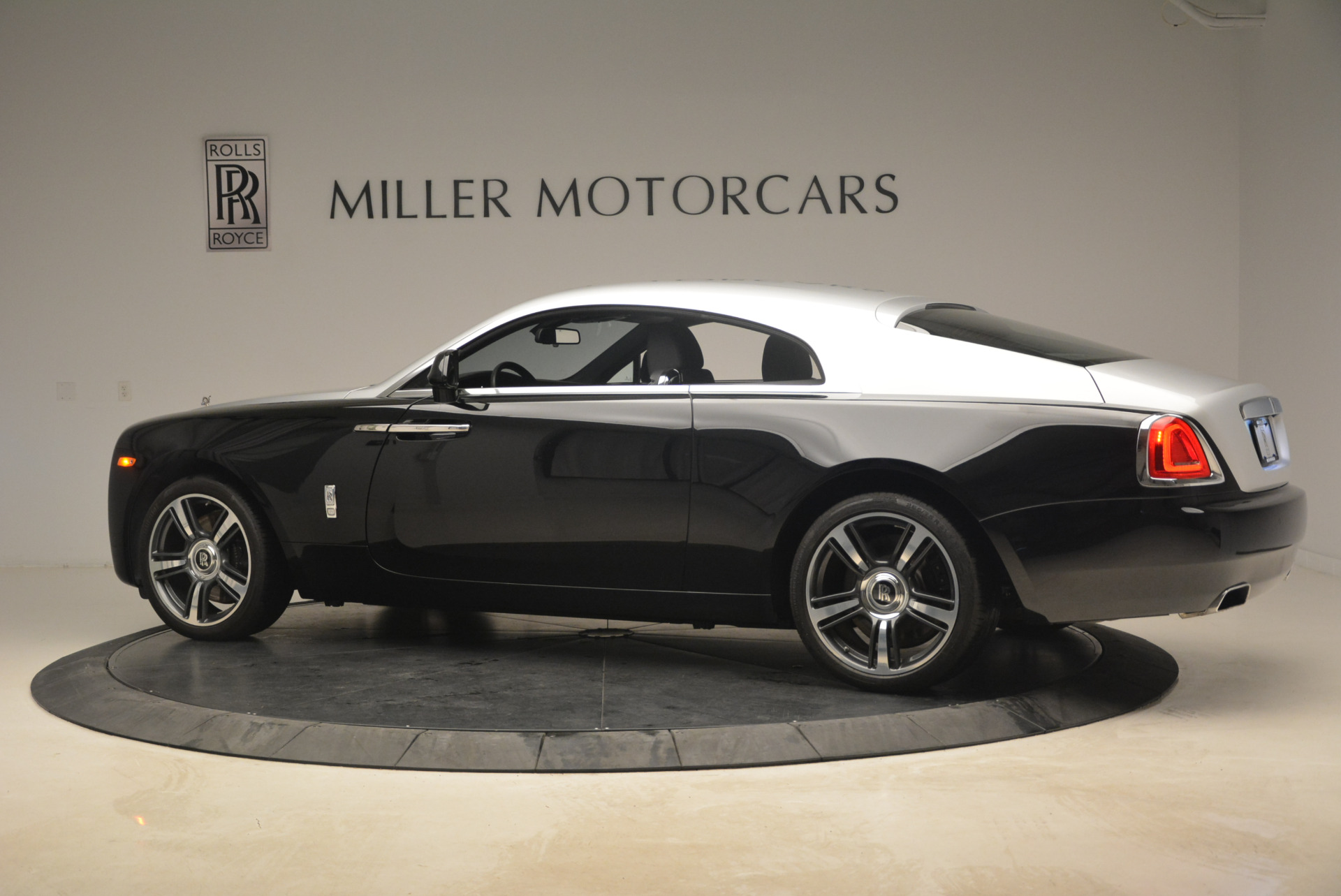 Used 2014 Rolls-Royce Wraith  For Sale In Westport, CT 2216_p4