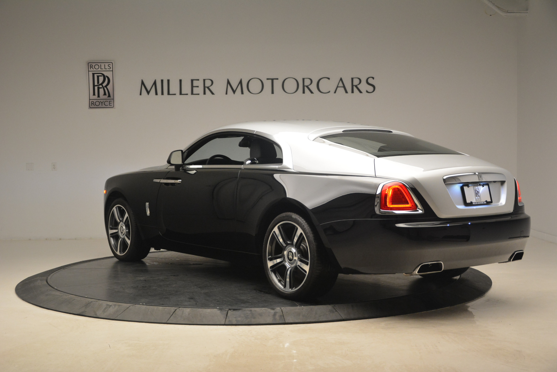 Used 2014 Rolls-Royce Wraith  For Sale In Westport, CT 2216_p5