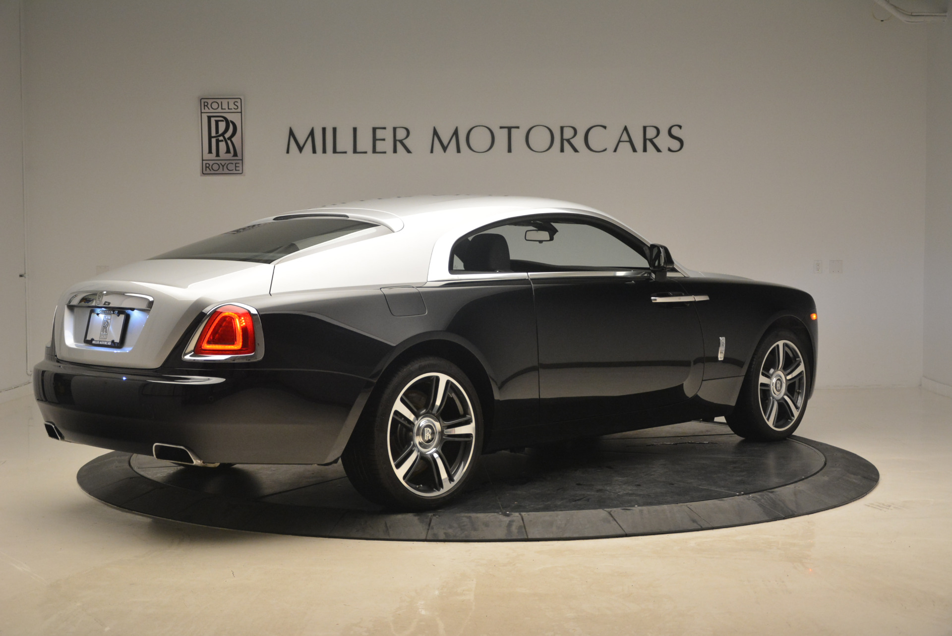 Used 2014 Rolls-Royce Wraith  For Sale In Westport, CT 2216_p8