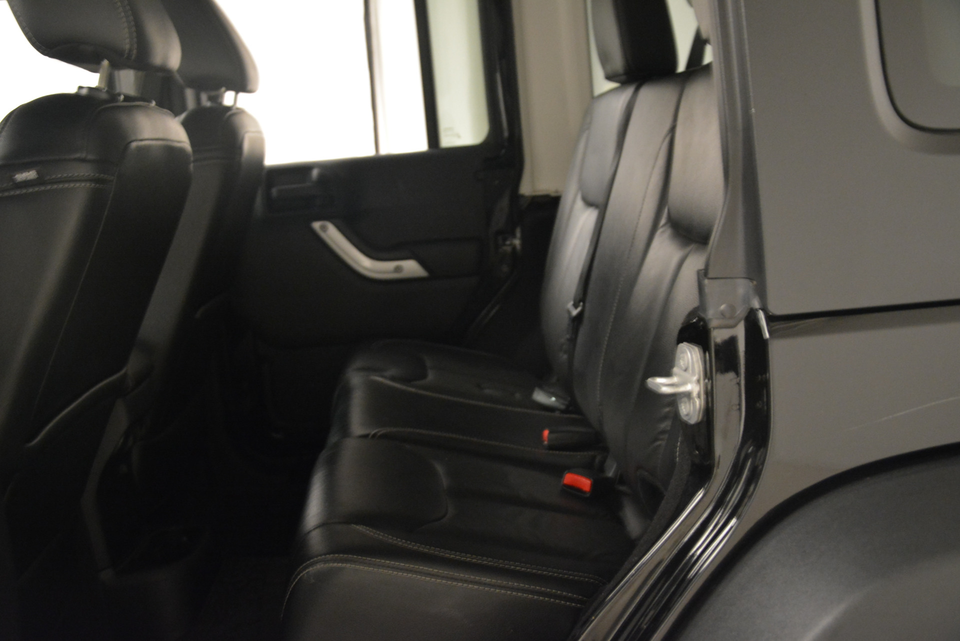 Used 2016 Jeep Wrangler Unlimited Rubicon For Sale In Westport, CT 2218_p19