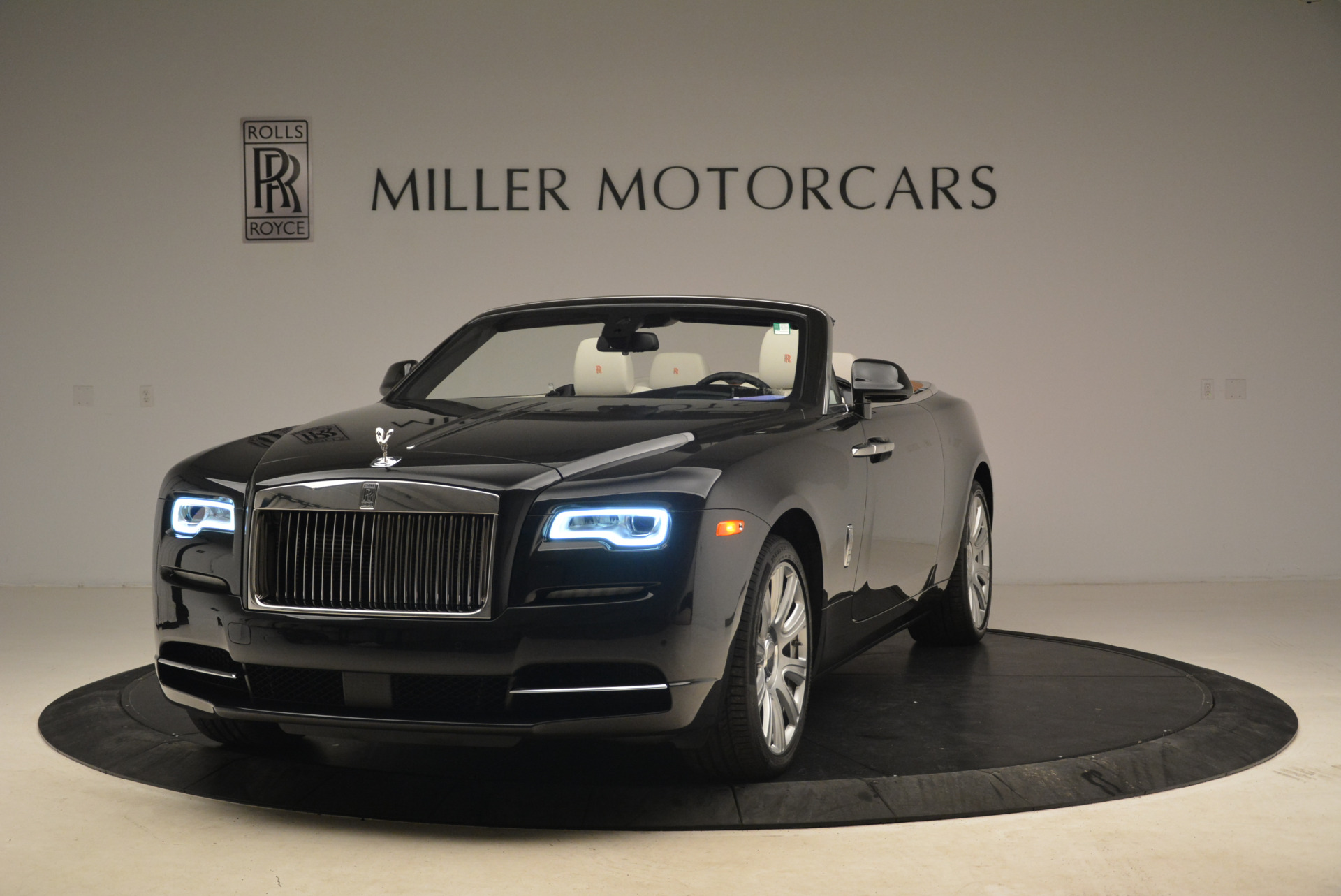 Used 2016 Rolls-Royce Dawn  For Sale In Westport, CT 2220_main