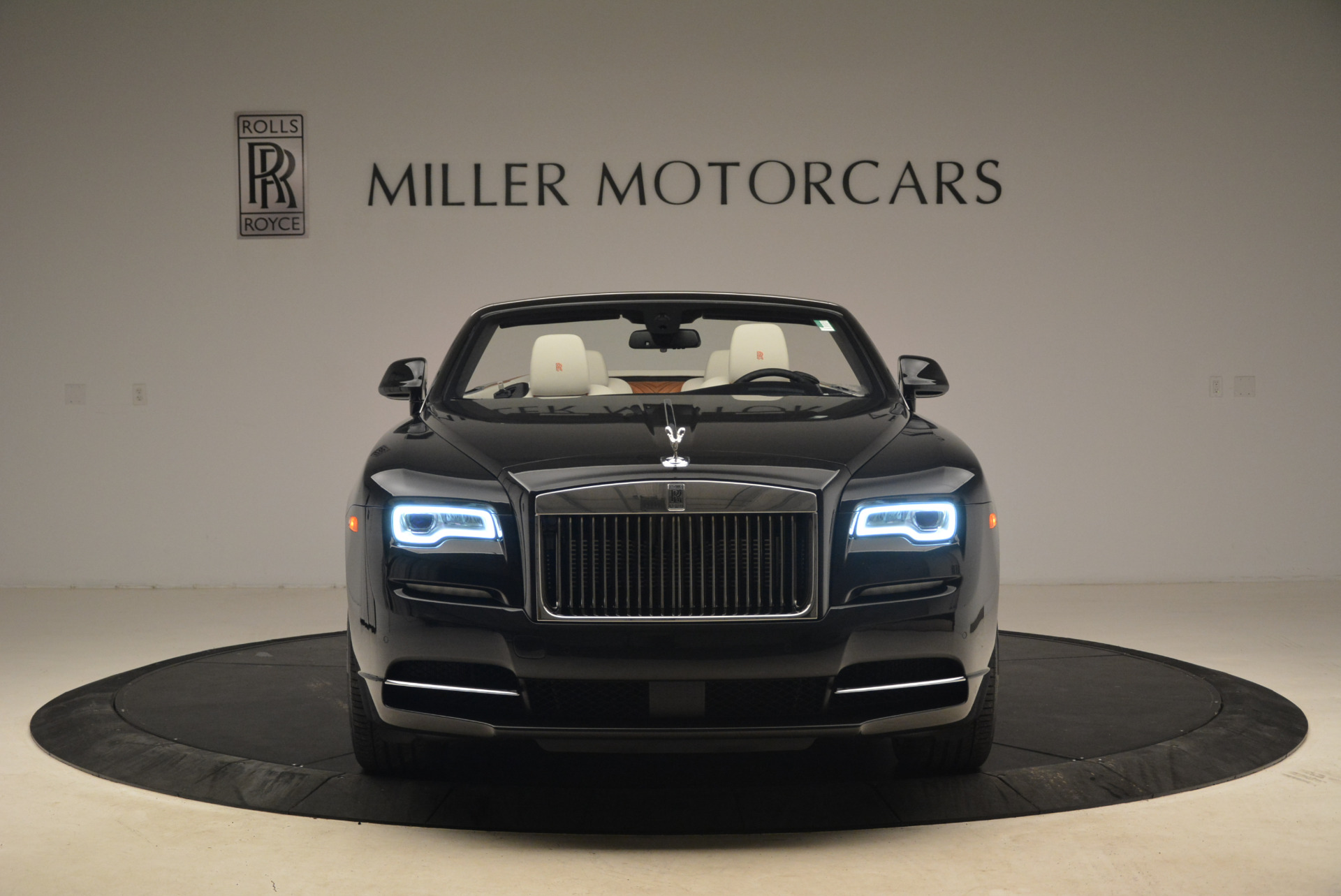 Used 2016 Rolls-Royce Dawn  For Sale In Westport, CT 2220_p12