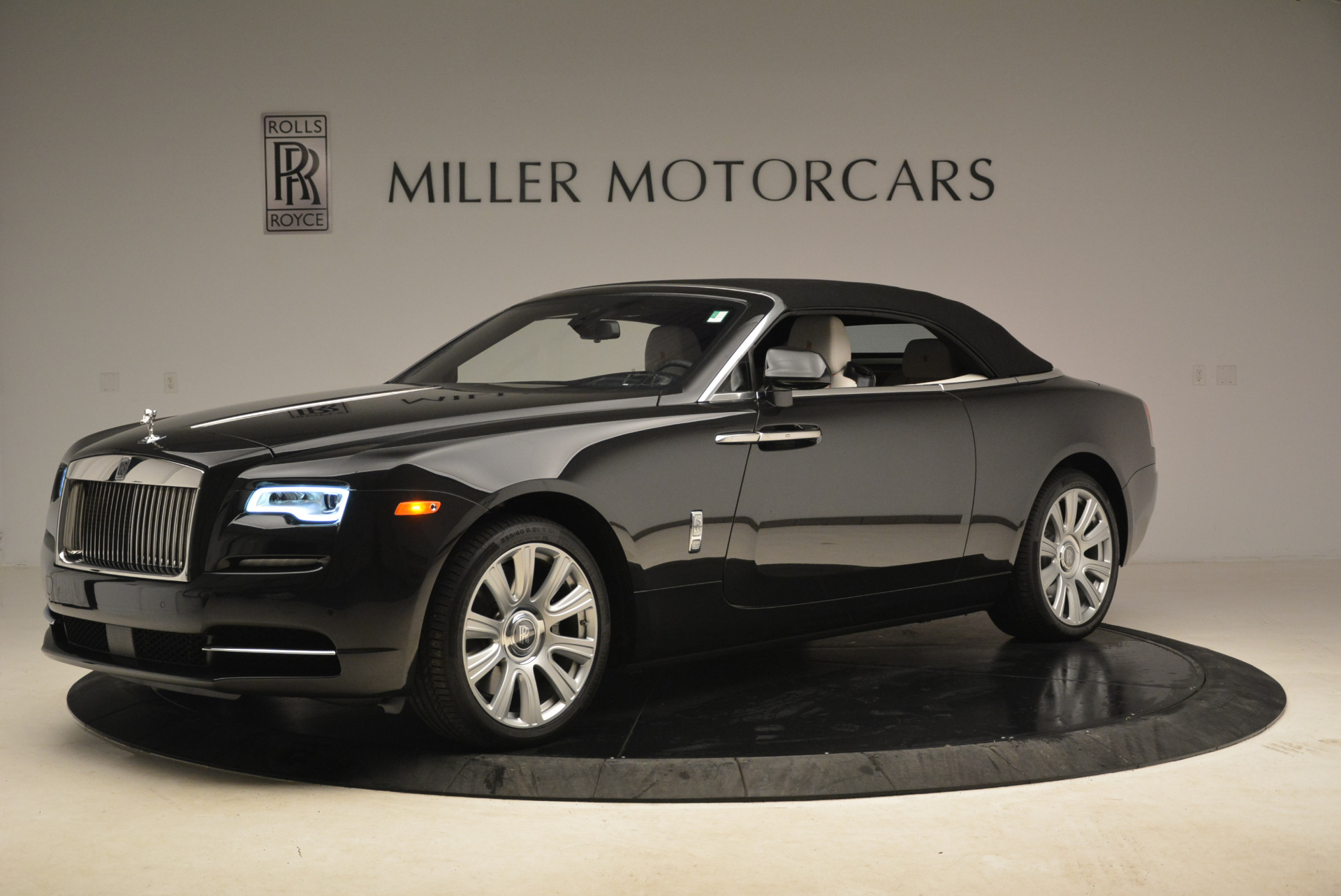 Used 2016 Rolls-Royce Dawn  For Sale In Westport, CT 2220_p14