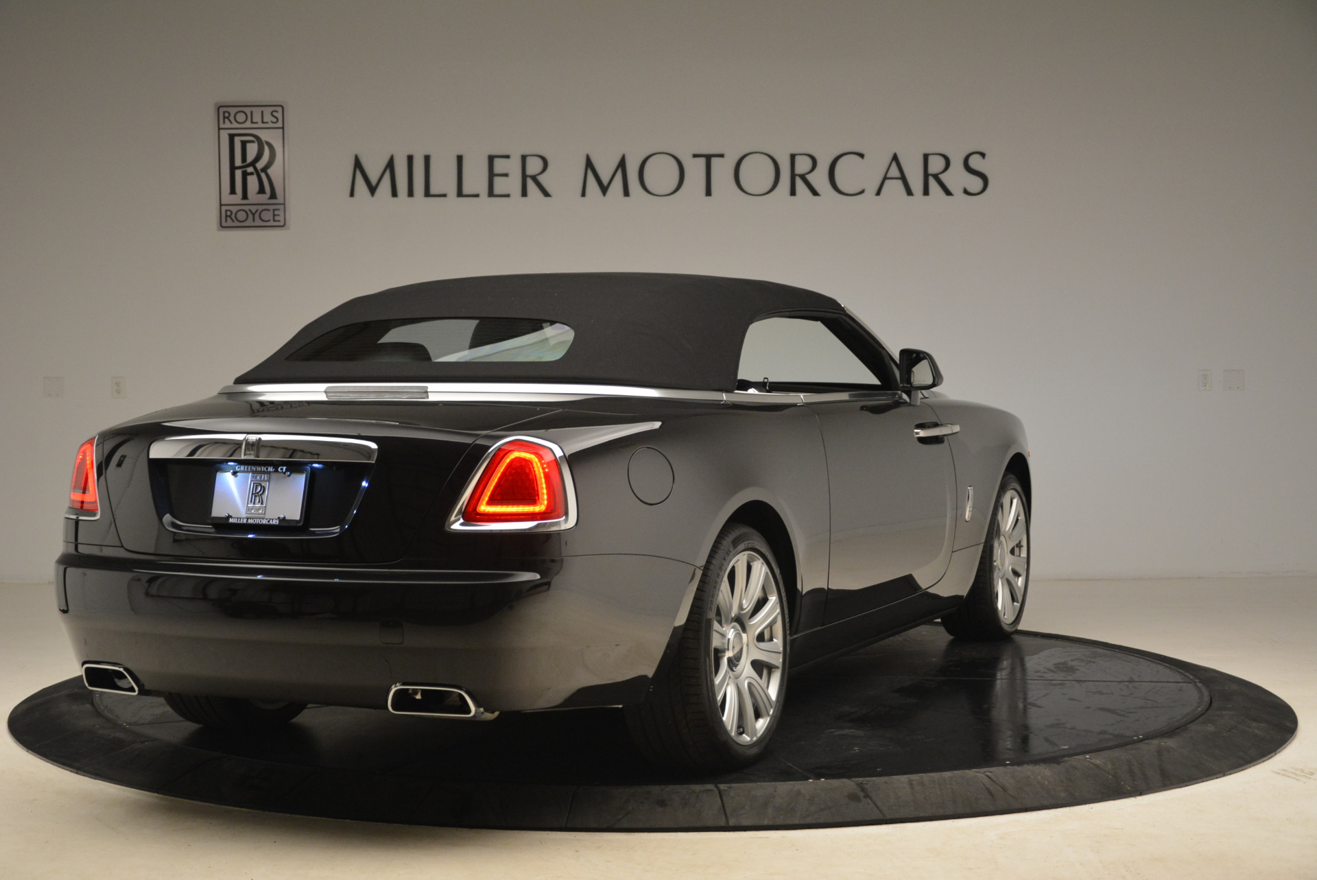 Used 2016 Rolls-Royce Dawn  For Sale In Westport, CT 2220_p19