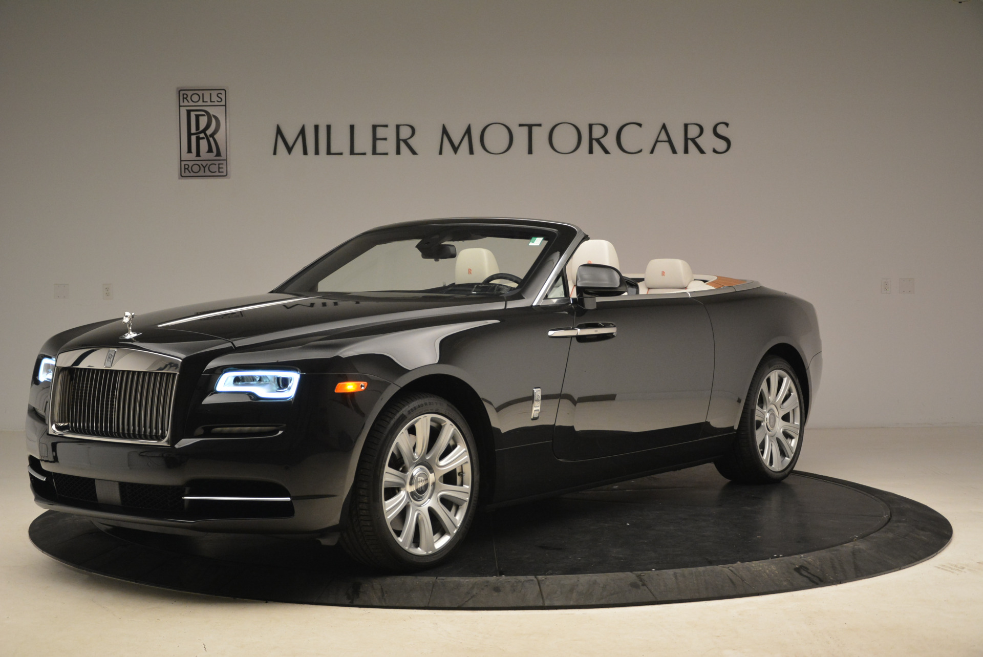 Used 2016 Rolls-Royce Dawn  For Sale In Westport, CT 2220_p2