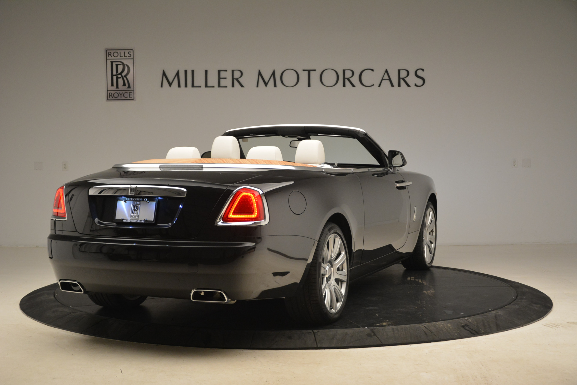 Used 2016 Rolls-Royce Dawn  For Sale In Westport, CT 2220_p7