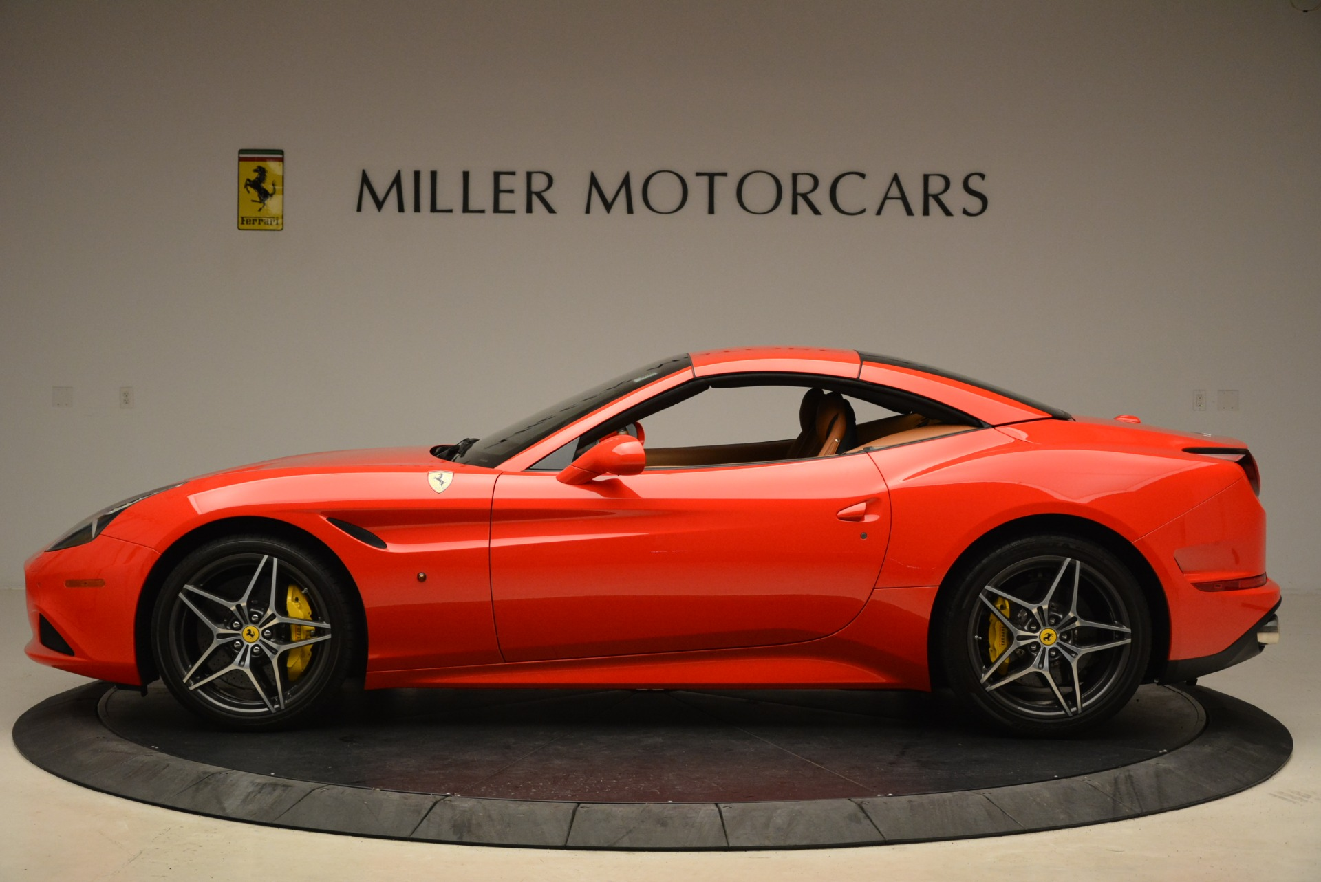 Used 2015 Ferrari California T  For Sale In Westport, CT 2221_p15