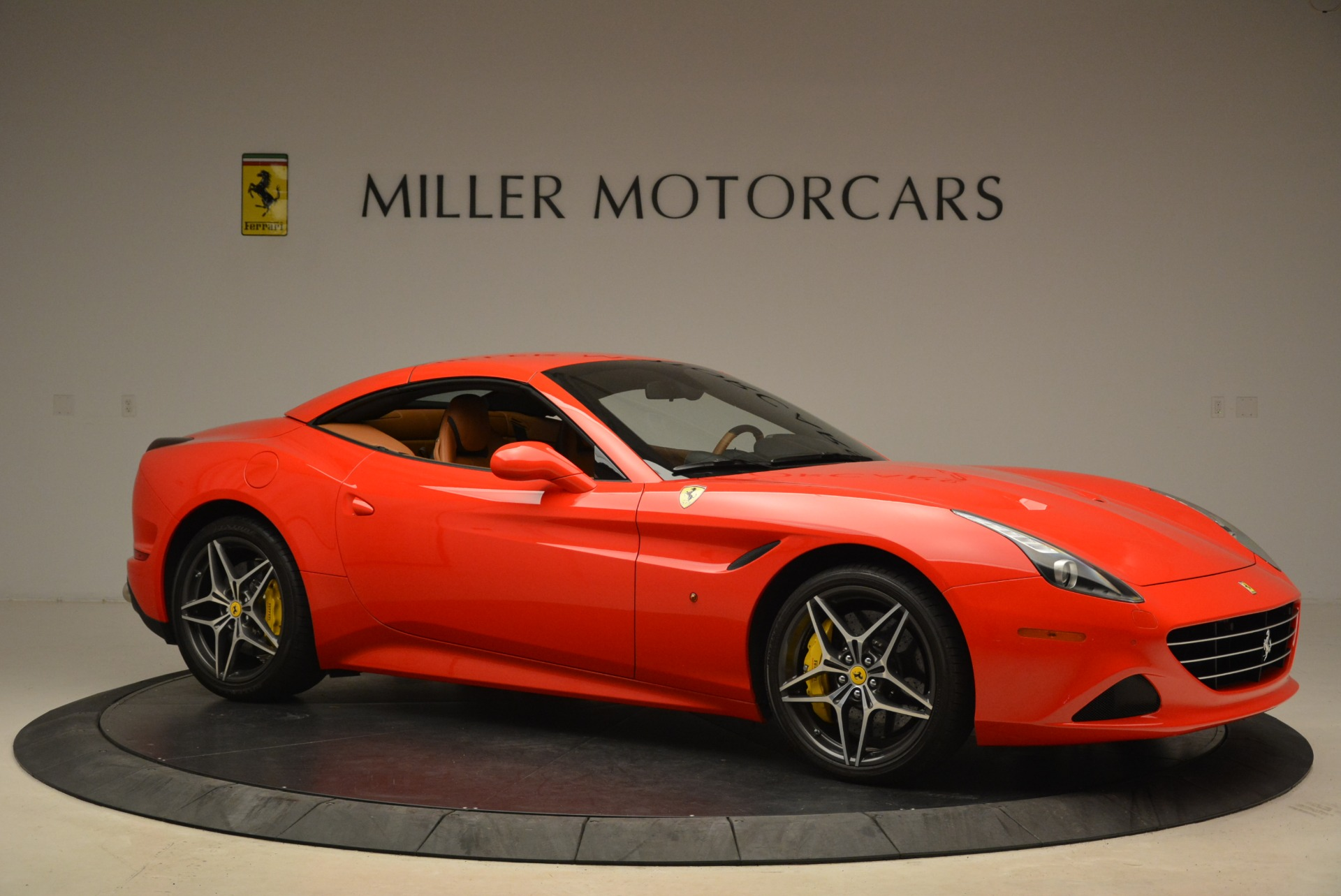 Used 2015 Ferrari California T  For Sale In Westport, CT 2221_p22