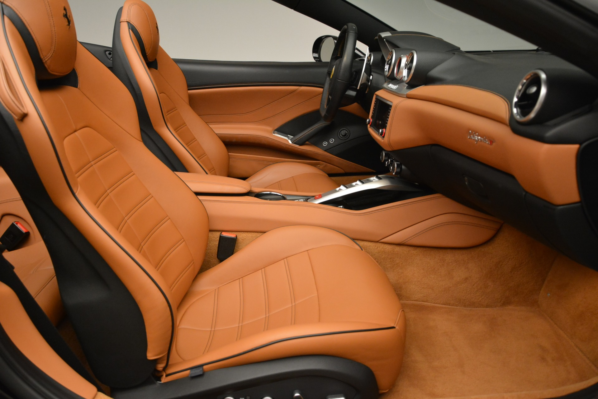 Used 2015 Ferrari California T  For Sale In Westport, CT 2224_p31